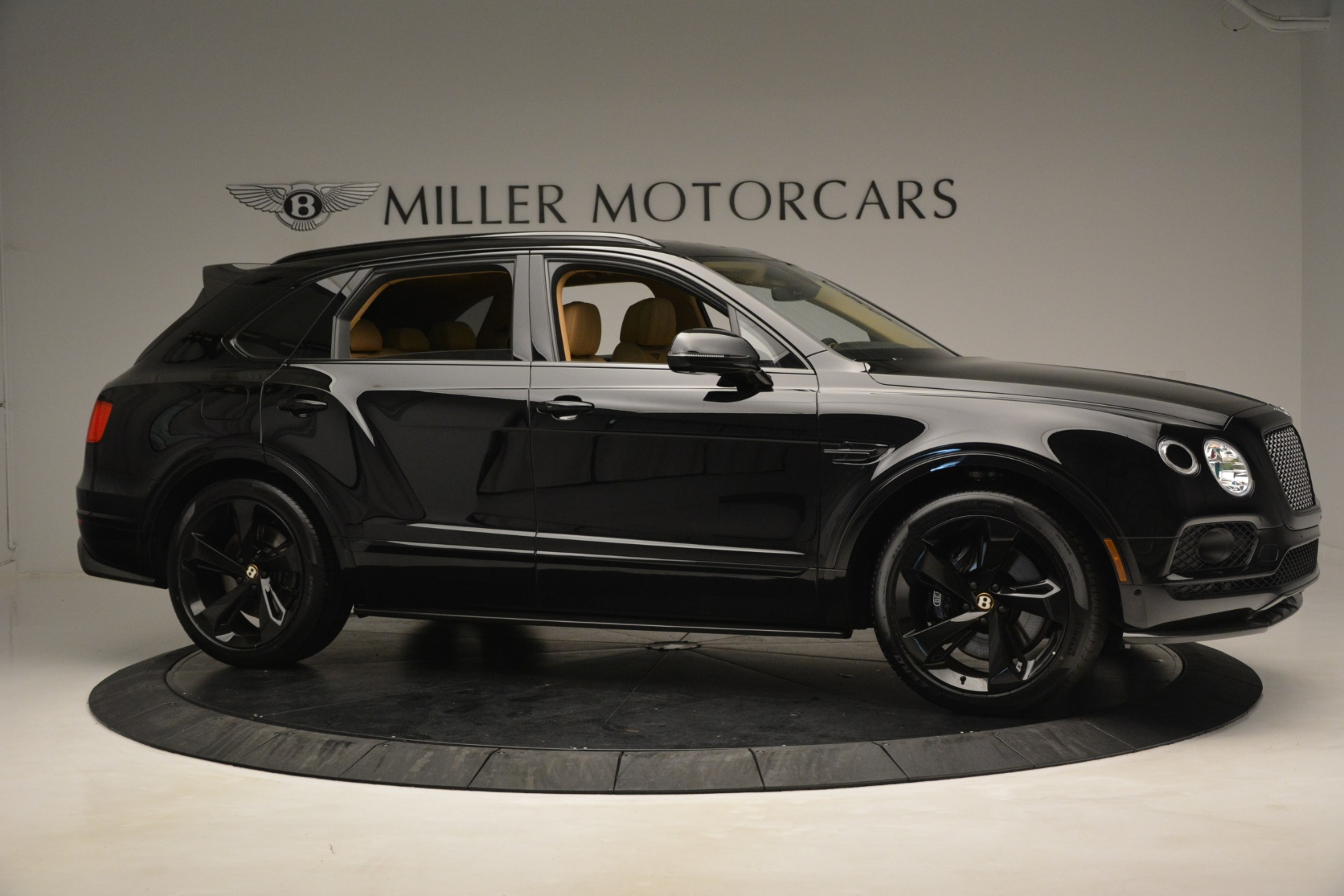 New 2019 Bentley Bentayga V8 For Sale In Westport, CT 2939_p9