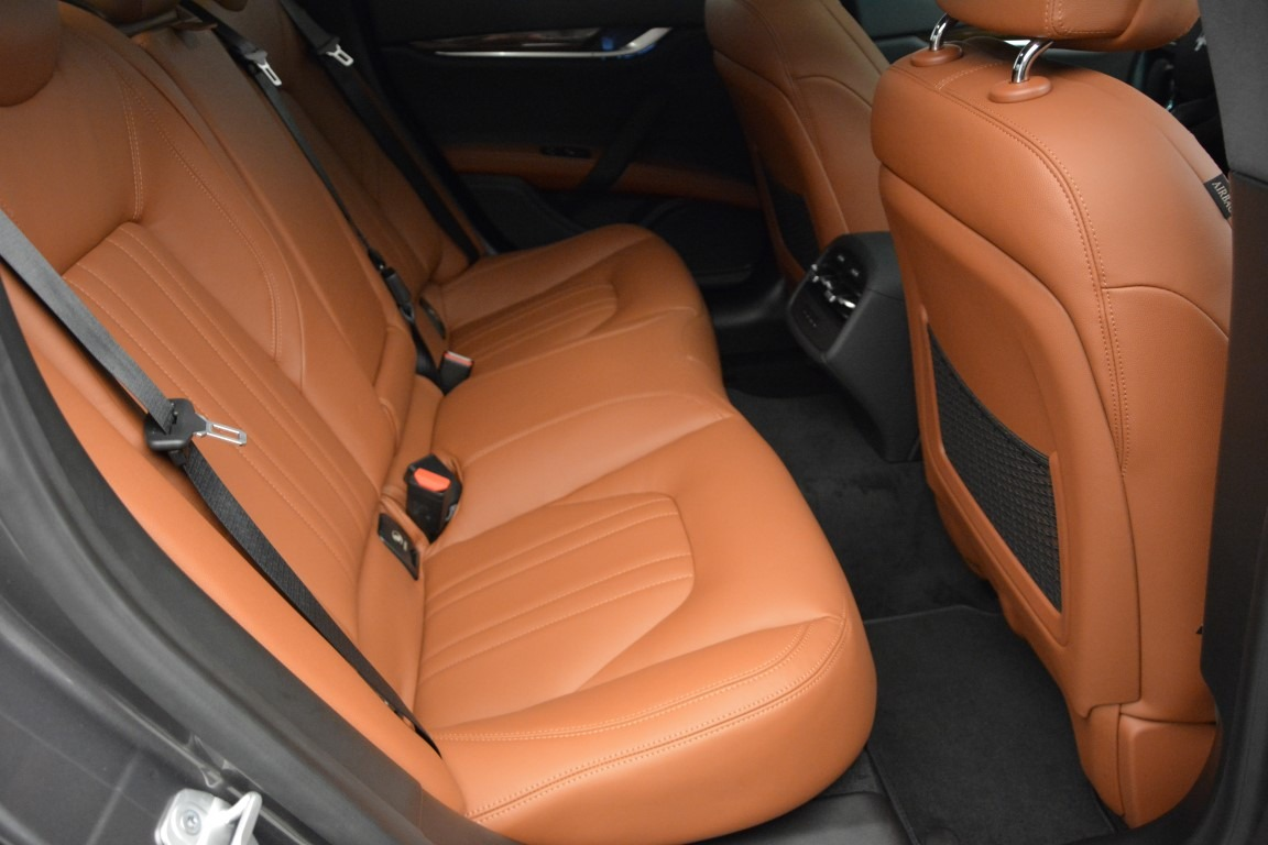 Used 2015 Maserati Ghibli S Q4 For Sale In Westport, CT 2941_p19