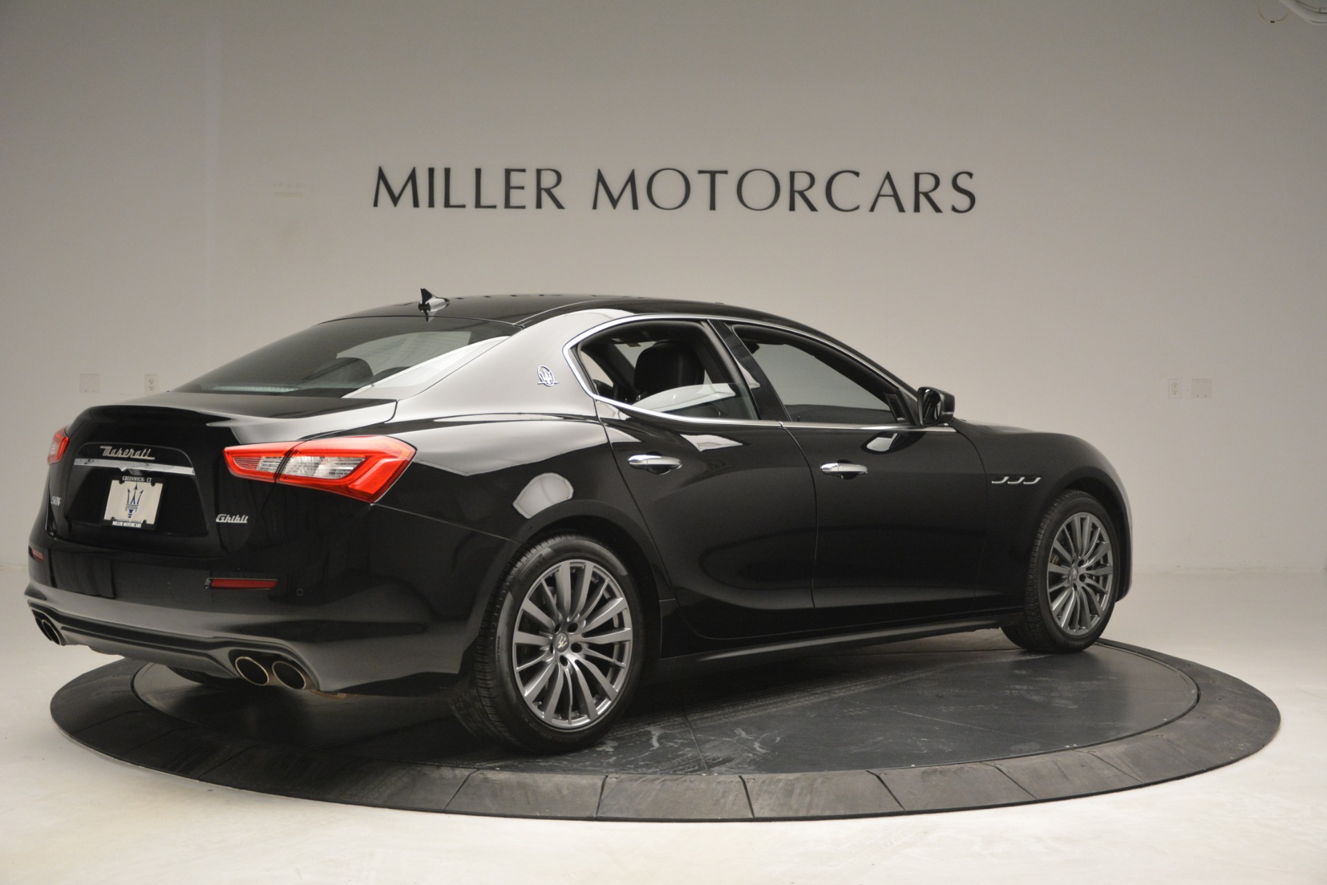 Used 2018 Maserati Ghibli S Q4 For Sale In Westport, CT 2944_p10