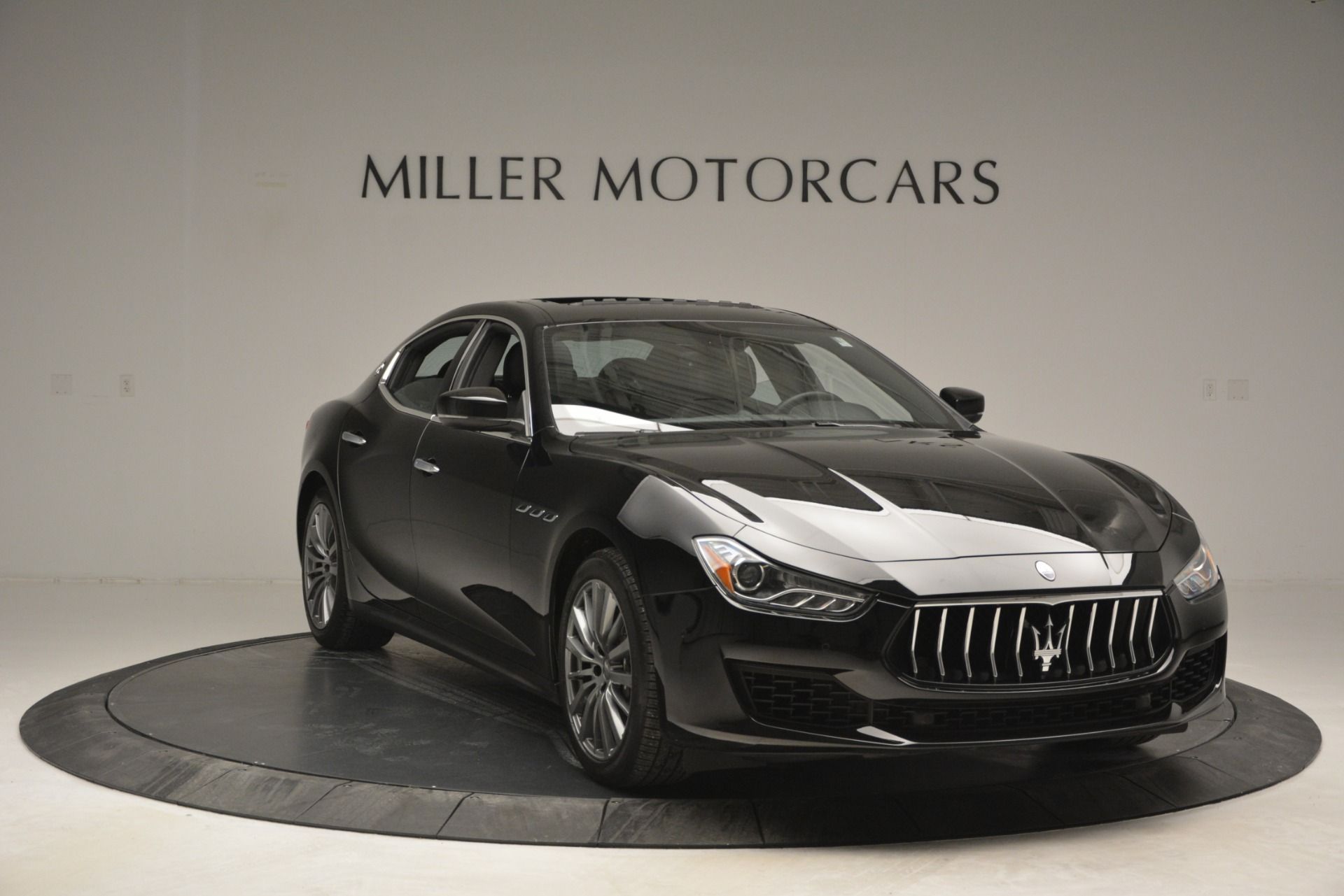 Used 2018 Maserati Ghibli S Q4 For Sale In Westport, CT 2944_p15