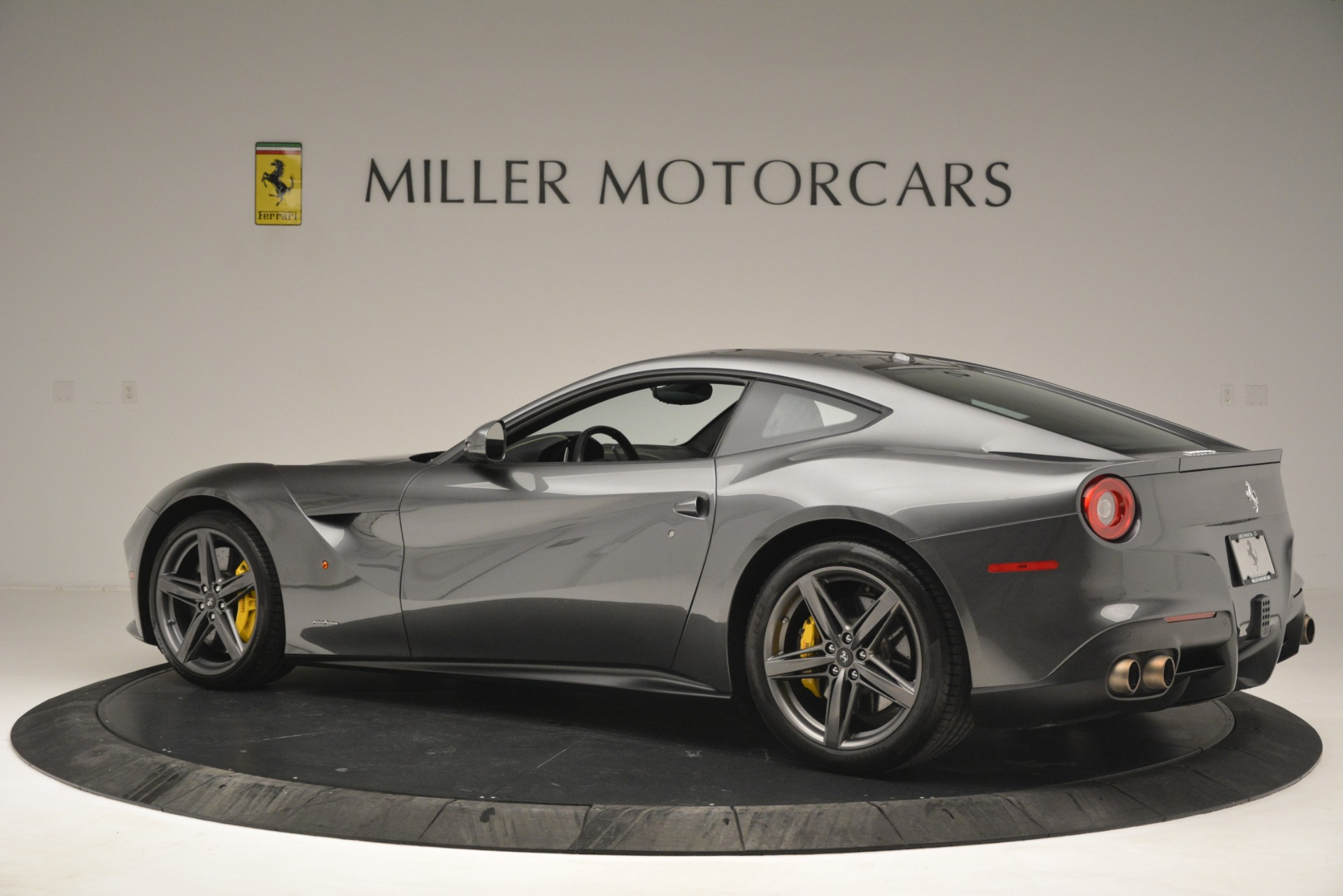 Used 2016 Ferrari F12 Berlinetta  For Sale In Westport, CT 2946_p4