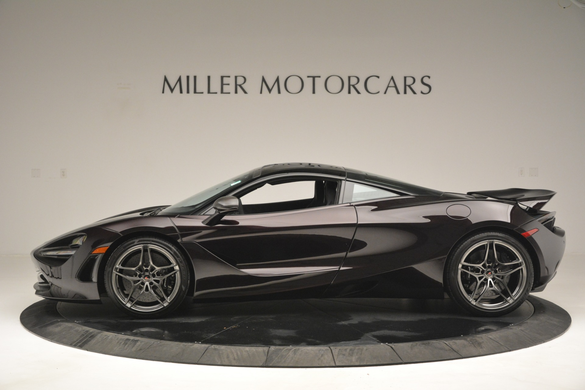 Used 2018 McLaren 720S Coupe For Sale In Westport, CT 2952_p3