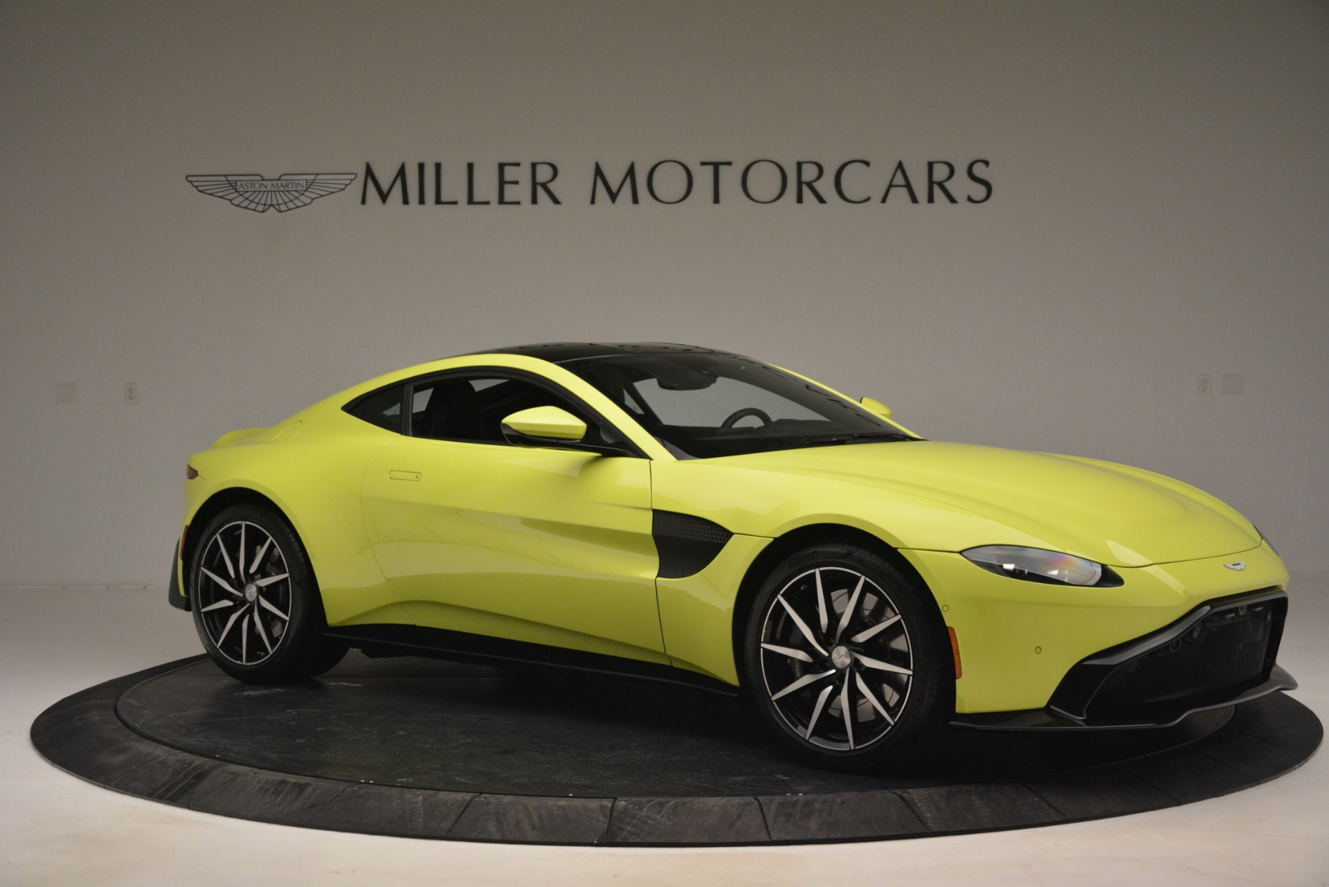 Used 2019 Aston Martin Vantage  For Sale In Westport, CT 2958_p10