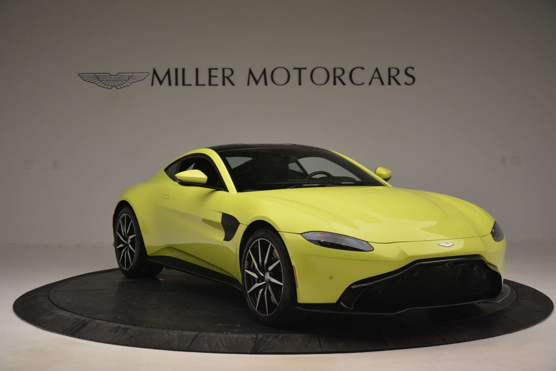 Used 2019 Aston Martin Vantage  For Sale In Westport, CT 2958_p11