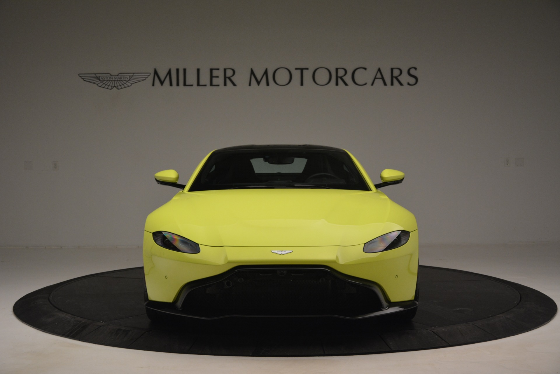 Used 2019 Aston Martin Vantage  For Sale In Westport, CT 2958_p12