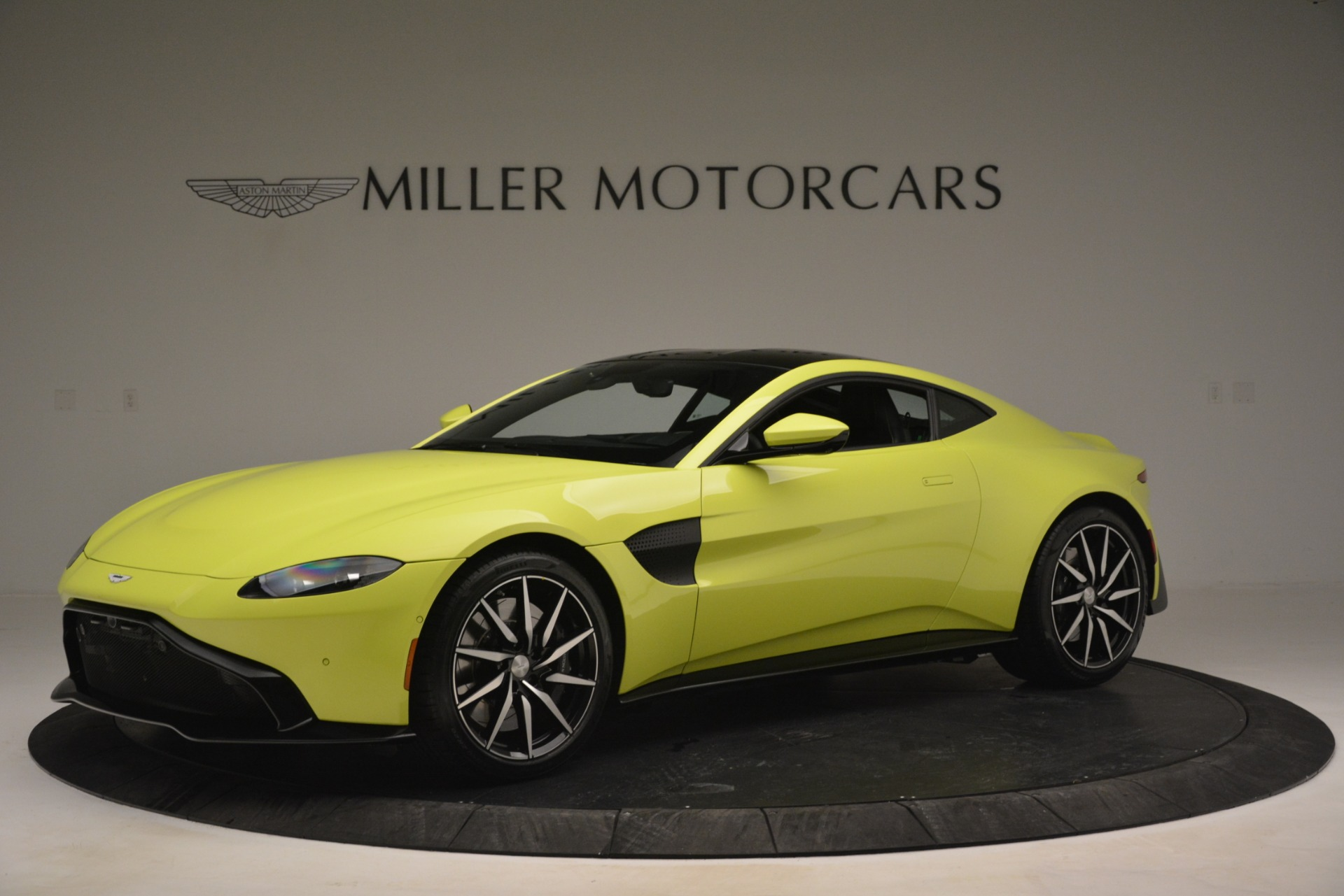 Used 2019 Aston Martin Vantage  For Sale In Westport, CT 2958_p2