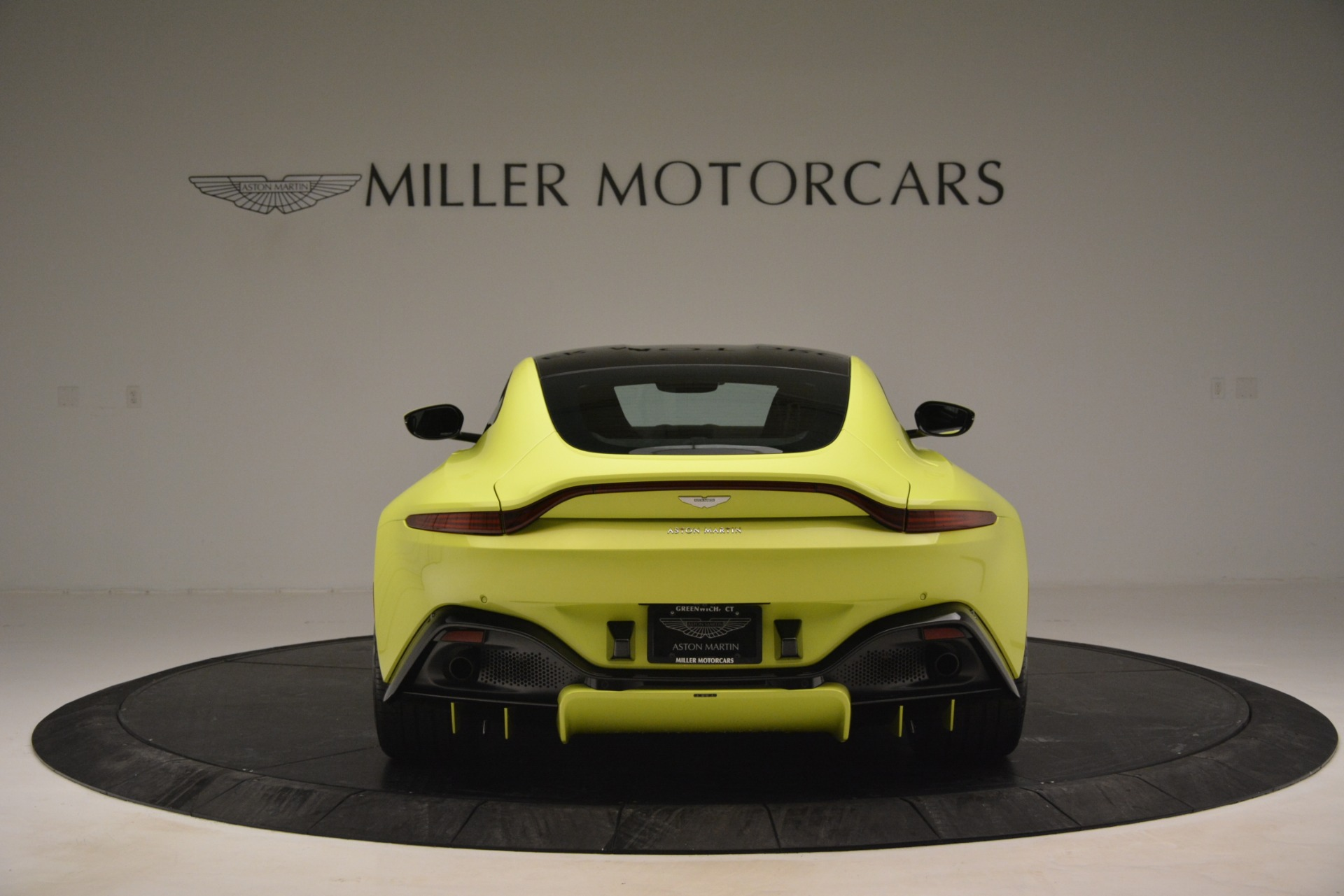 Used 2019 Aston Martin Vantage  For Sale In Westport, CT 2958_p6