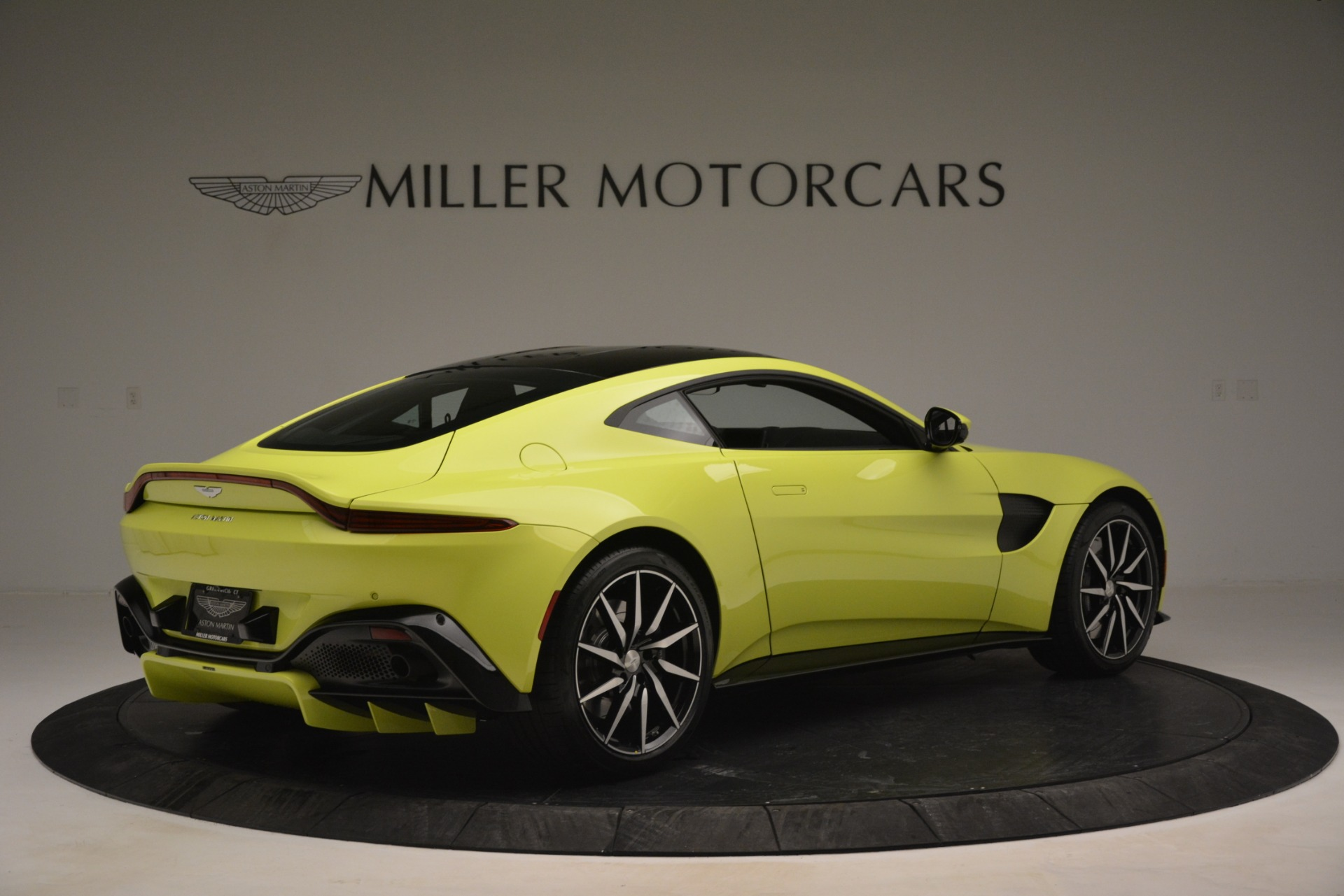 Used 2019 Aston Martin Vantage  For Sale In Westport, CT 2958_p8