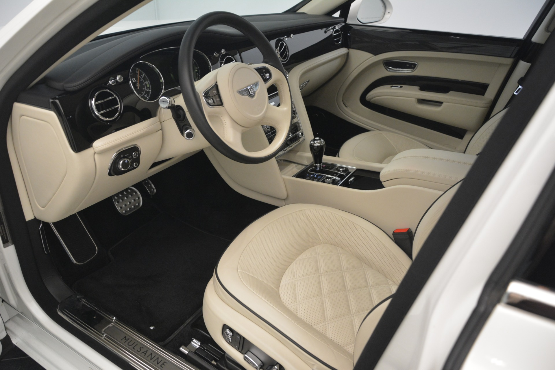 Used 2016 Bentley Mulsanne Speed For Sale In Westport, CT 2960_p17