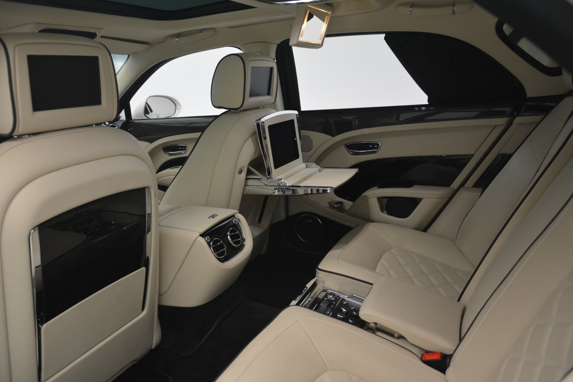 Used 2016 Bentley Mulsanne Speed For Sale In Westport, CT 2960_p26