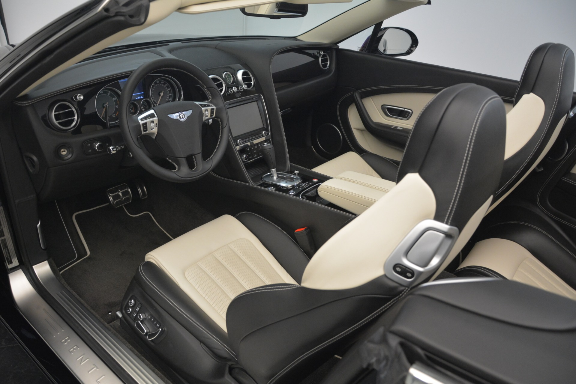 Used 2014 Bentley Continental GT V8 For Sale In Westport, CT 2961_p25