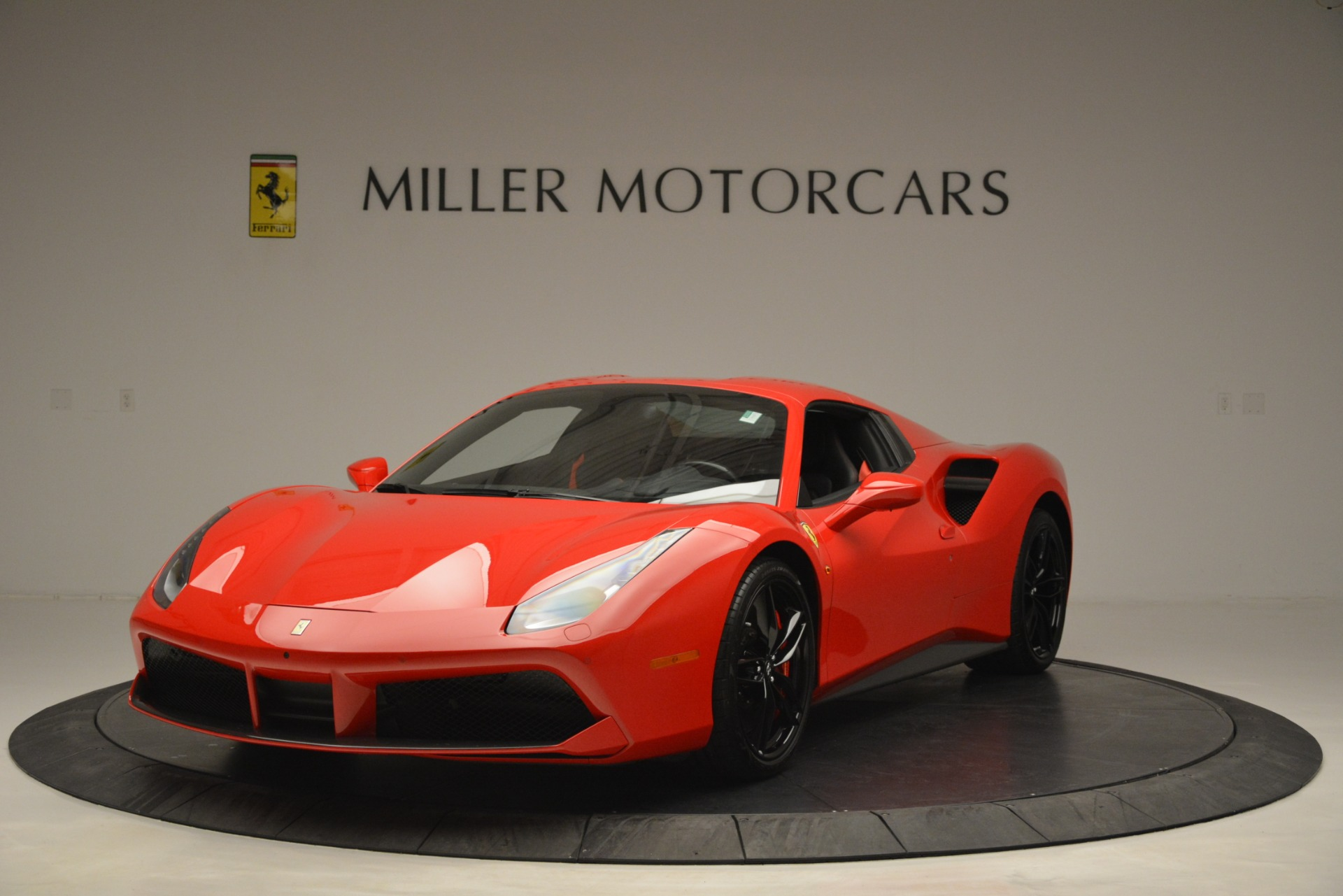 Used 2017 Ferrari 488 Spider  For Sale In Westport, CT 2965_p13