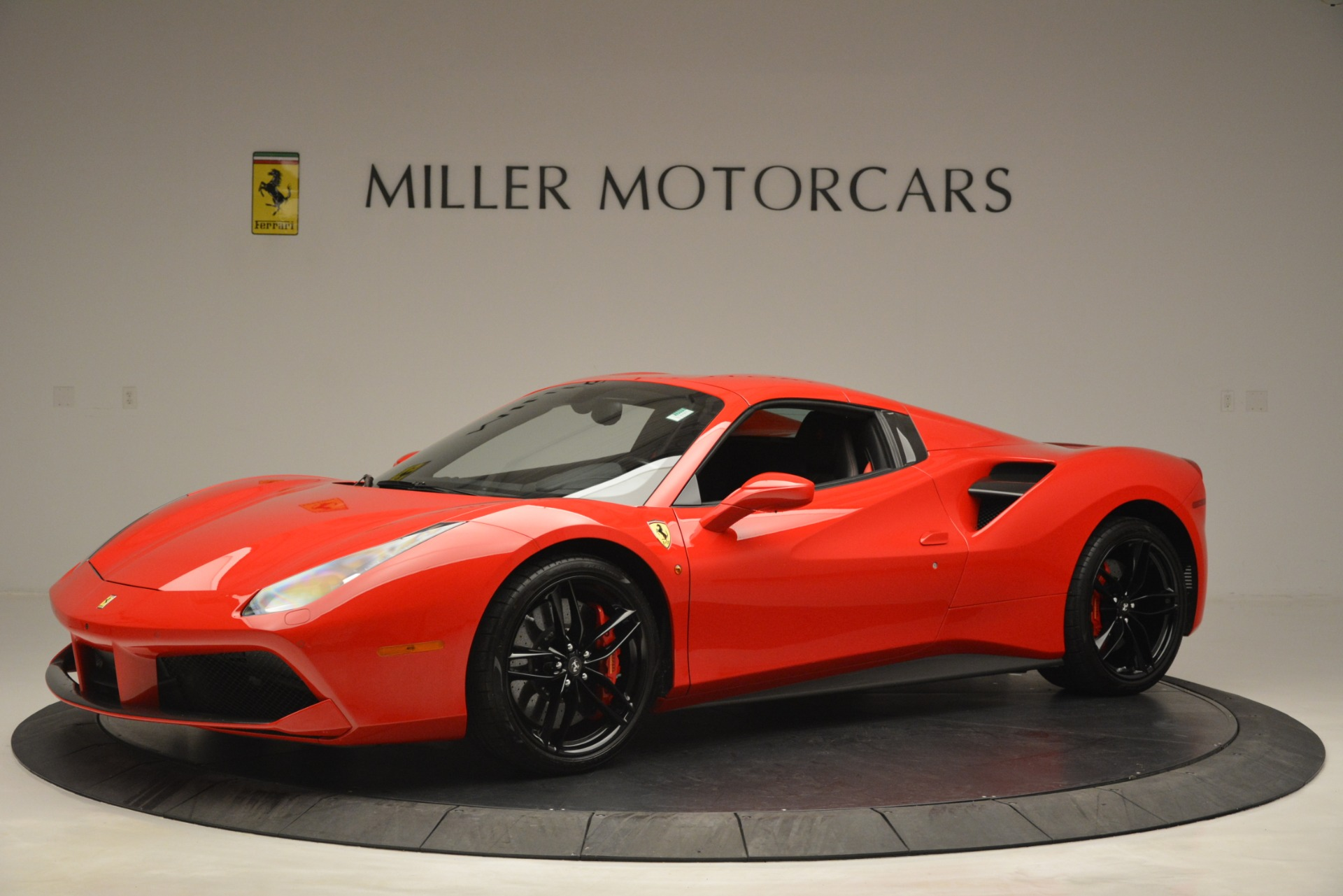 Used 2017 Ferrari 488 Spider  For Sale In Westport, CT 2965_p14