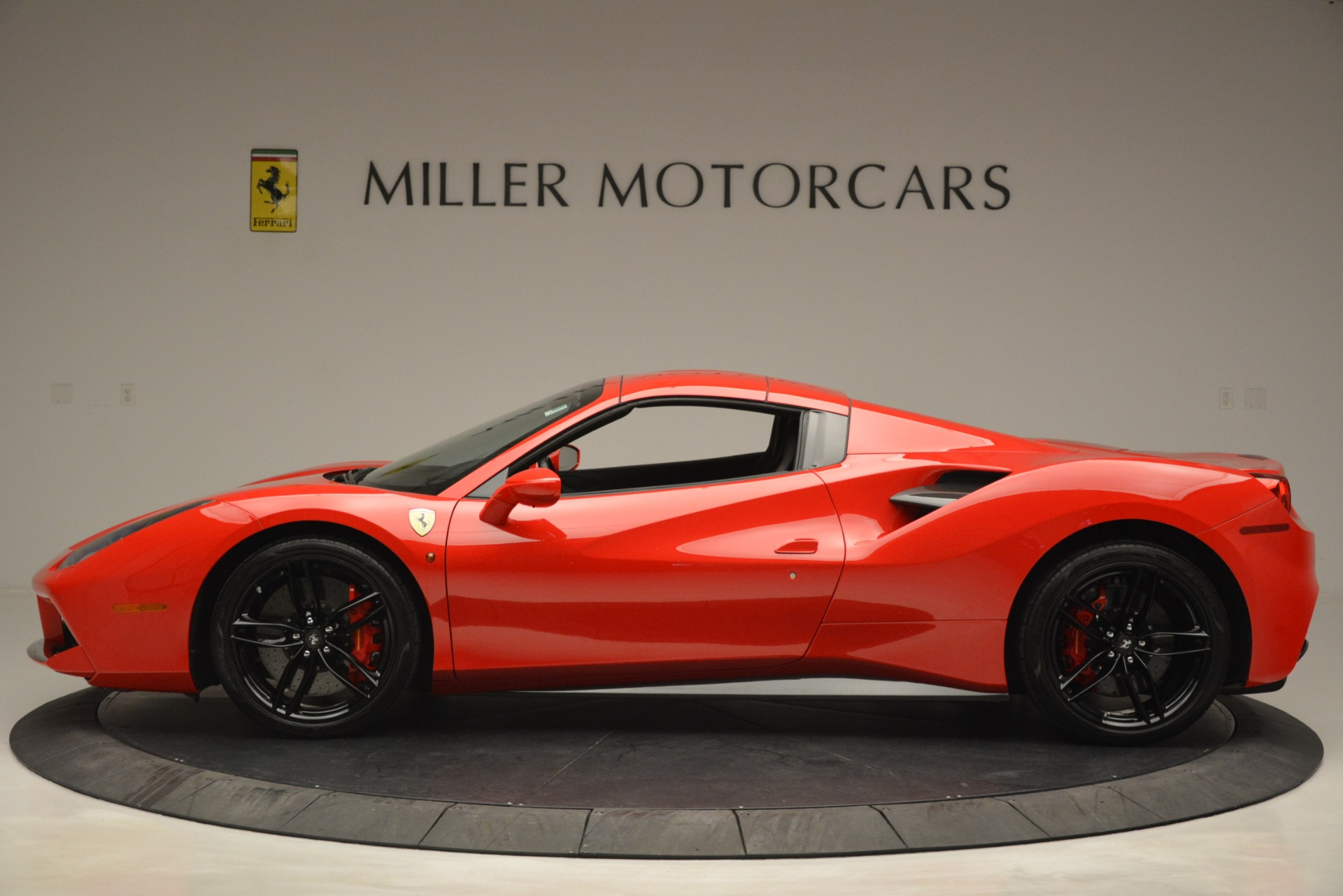 Used 2017 Ferrari 488 Spider  For Sale In Westport, CT 2965_p15