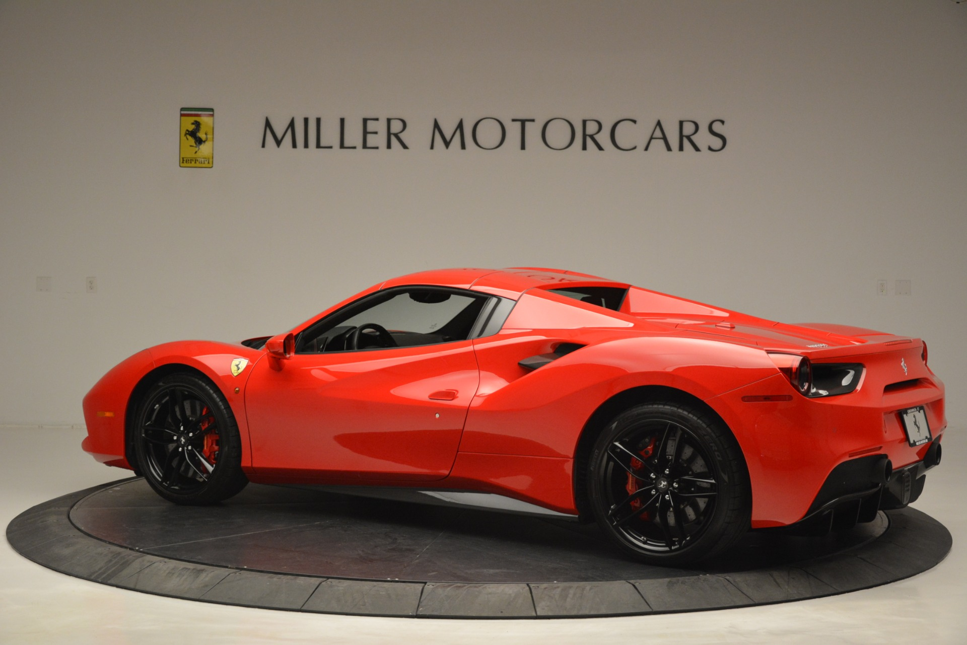 Used 2017 Ferrari 488 Spider  For Sale In Westport, CT 2965_p16