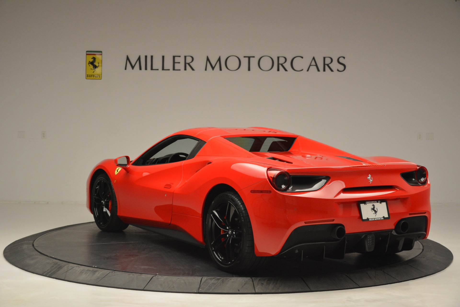 Used 2017 Ferrari 488 Spider  For Sale In Westport, CT 2965_p17