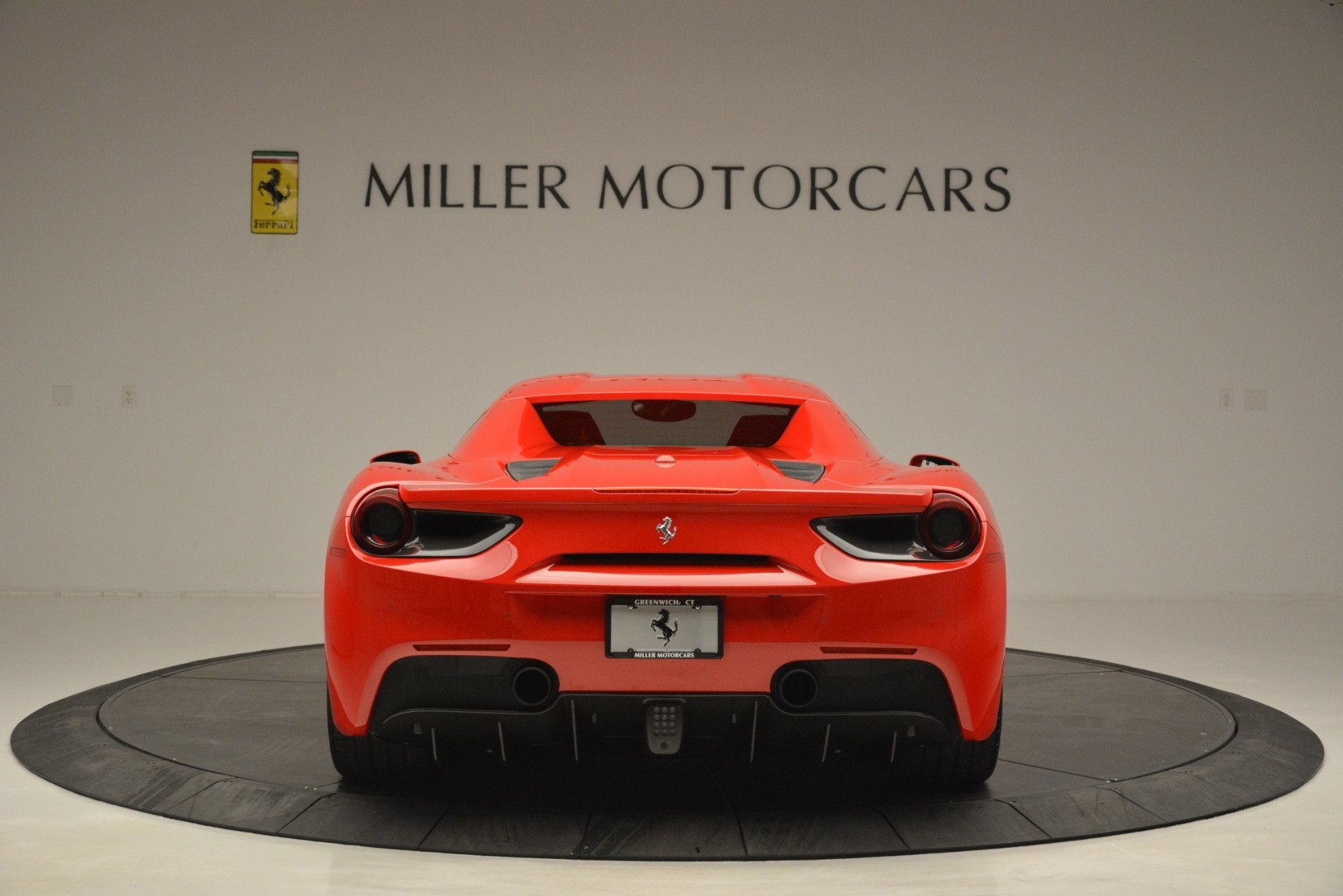 Used 2017 Ferrari 488 Spider  For Sale In Westport, CT 2965_p18