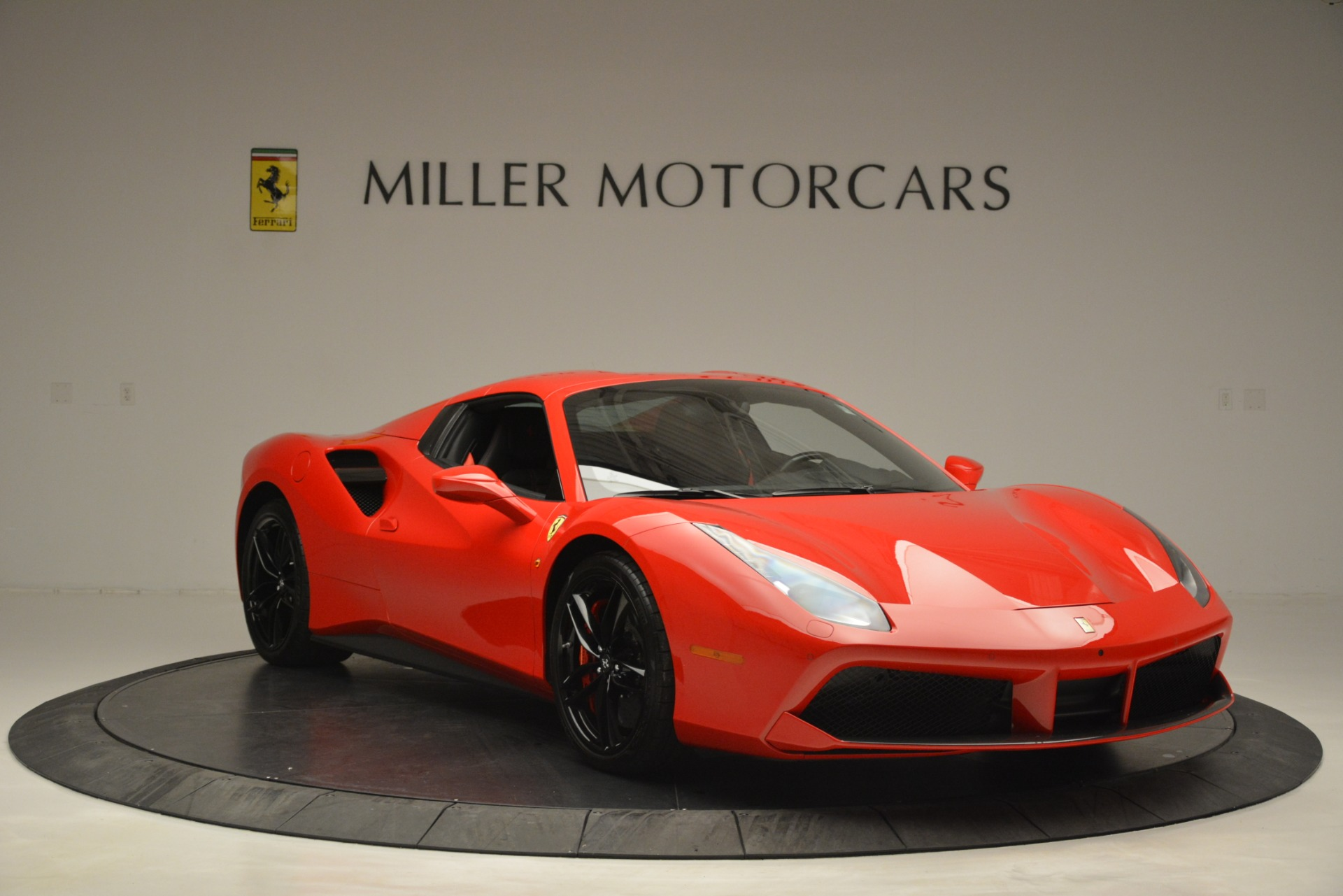 Used 2017 Ferrari 488 Spider  For Sale In Westport, CT 2965_p23