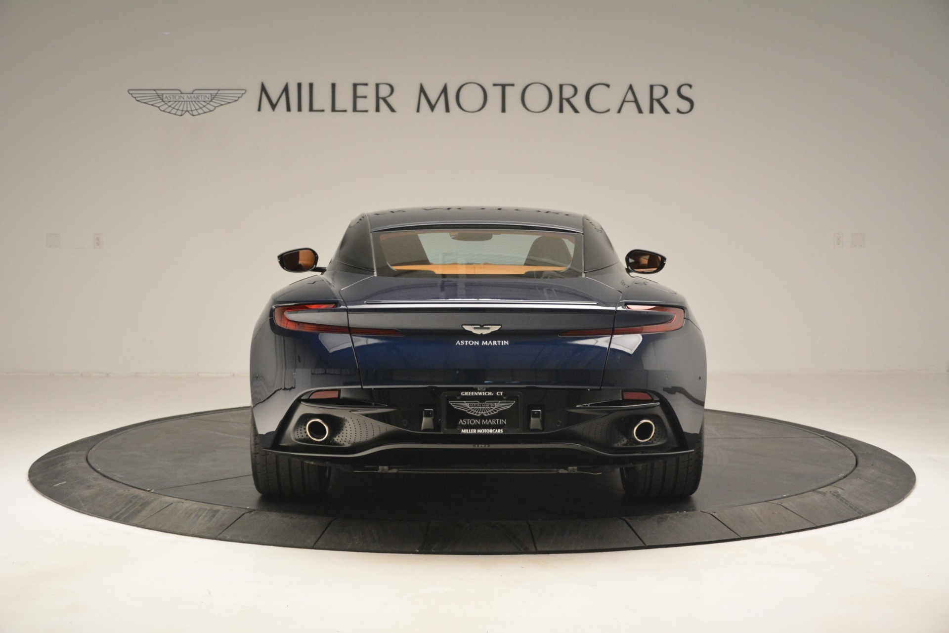 Used 2018 Aston Martin DB11 V12 Coupe For Sale In Westport, CT 2969_p6