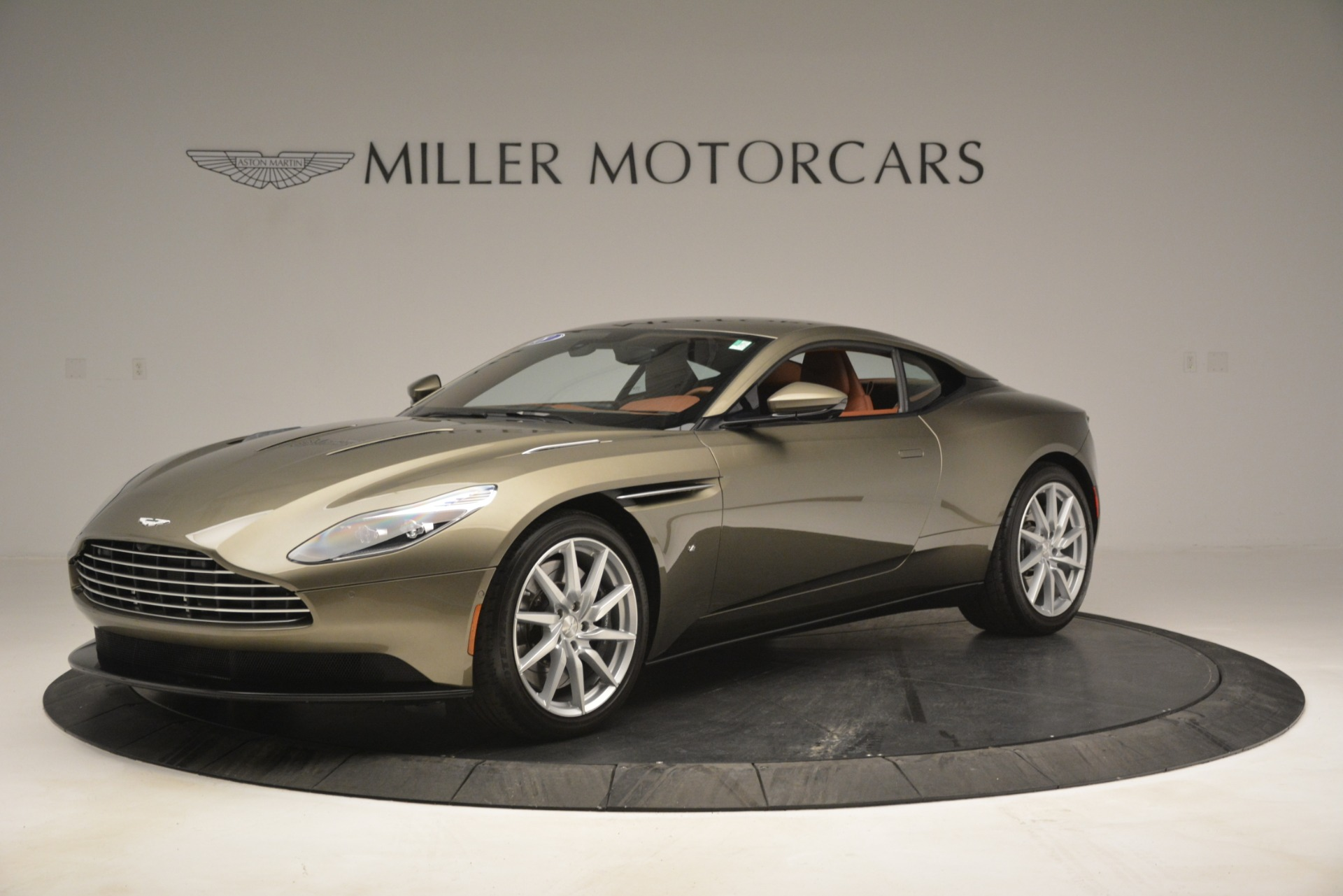 Used 2018 Aston Martin DB11 V12 Coupe For Sale In Westport, CT 2970_main