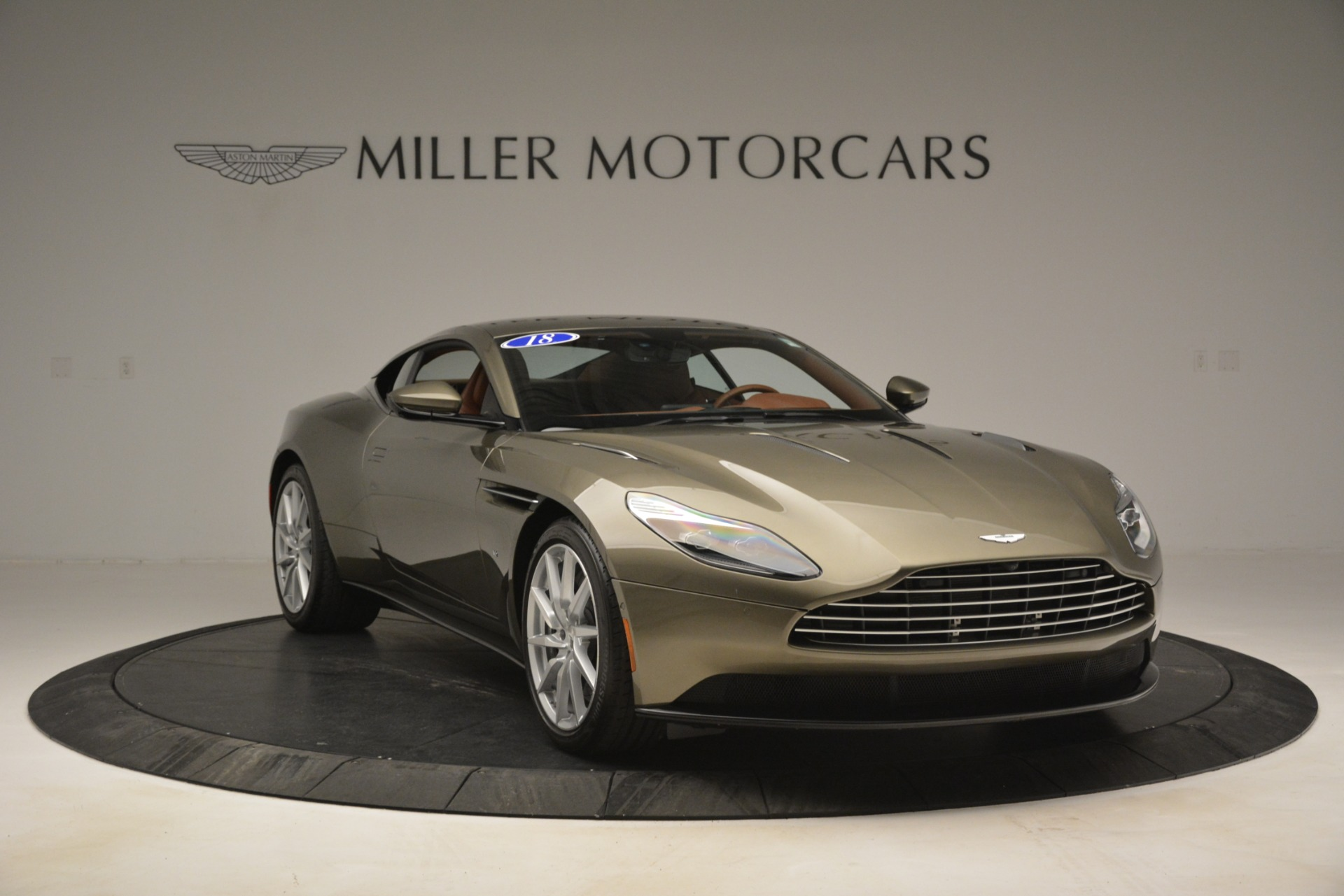 Used 2018 Aston Martin DB11 V12 Coupe For Sale In Westport, CT 2970_p11