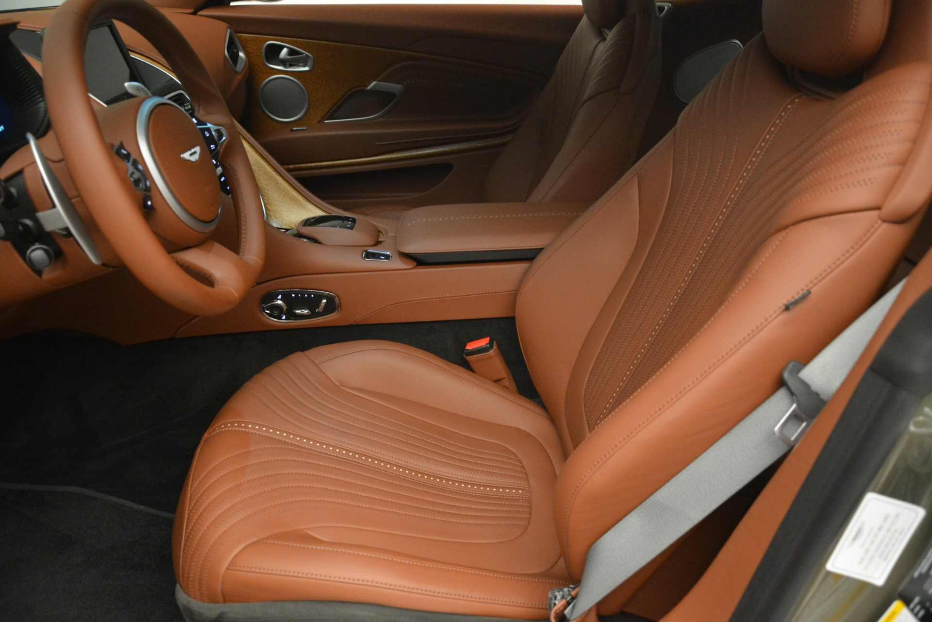Used 2018 Aston Martin DB11 V12 Coupe For Sale In Westport, CT 2970_p16