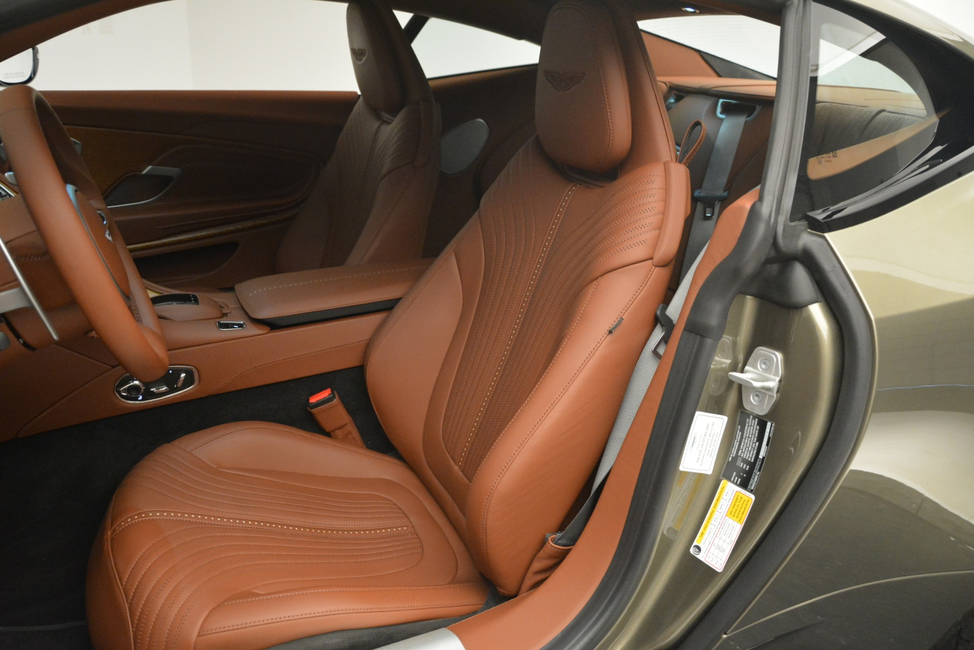 Used 2018 Aston Martin DB11 V12 Coupe For Sale In Westport, CT 2970_p17