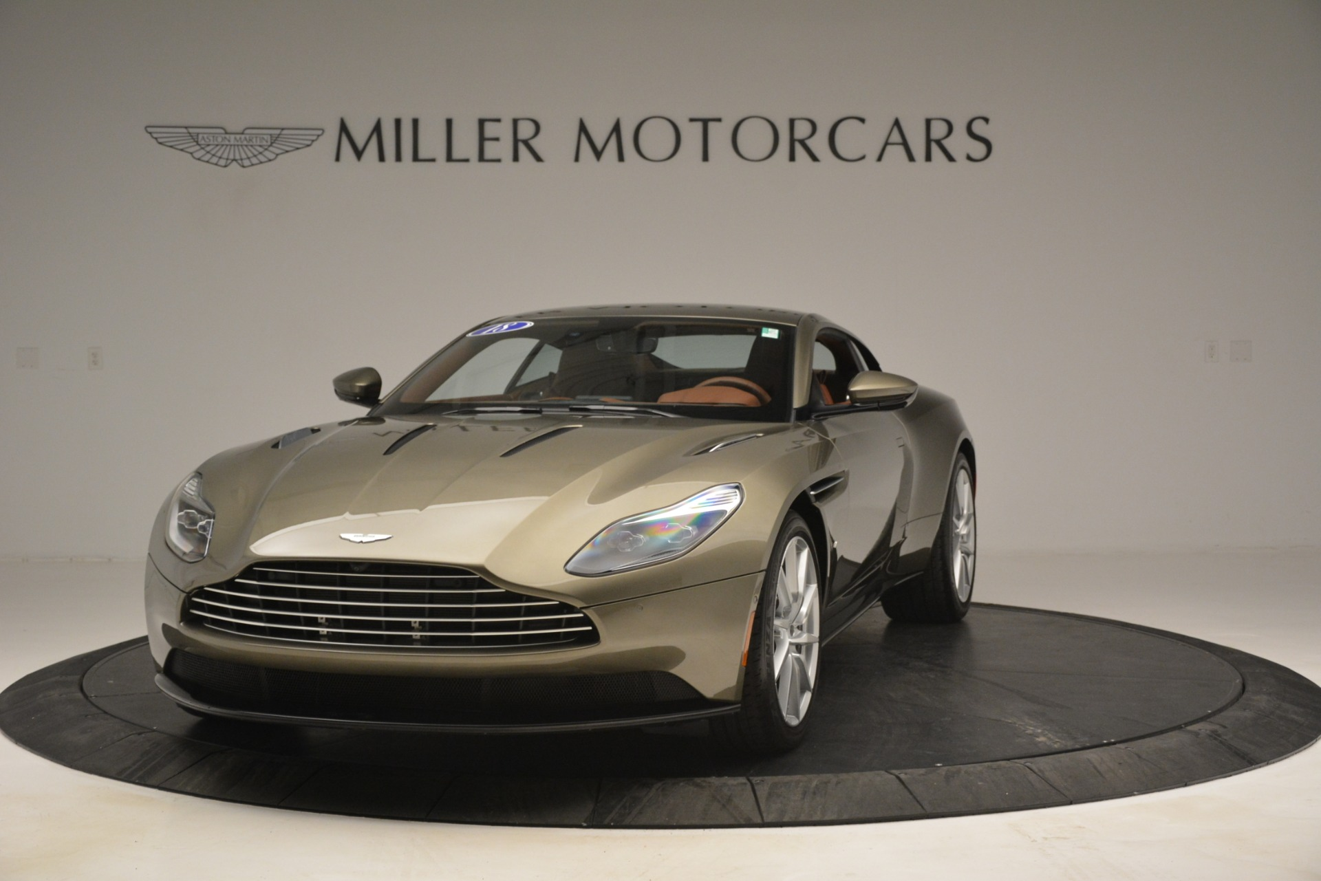 Used 2018 Aston Martin DB11 V12 Coupe For Sale In Westport, CT 2970_p2