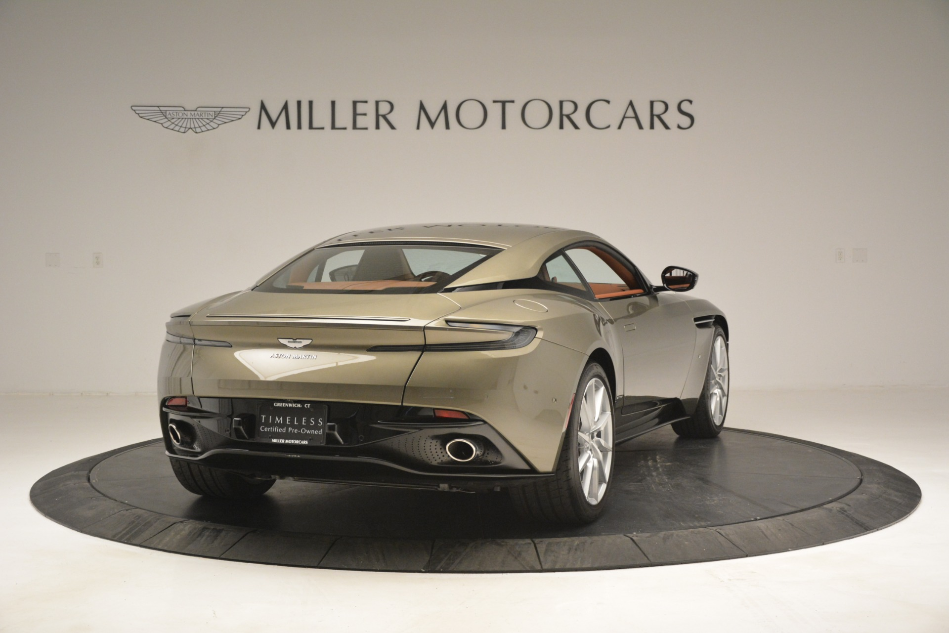 Used 2018 Aston Martin DB11 V12 Coupe For Sale In Westport, CT 2970_p7
