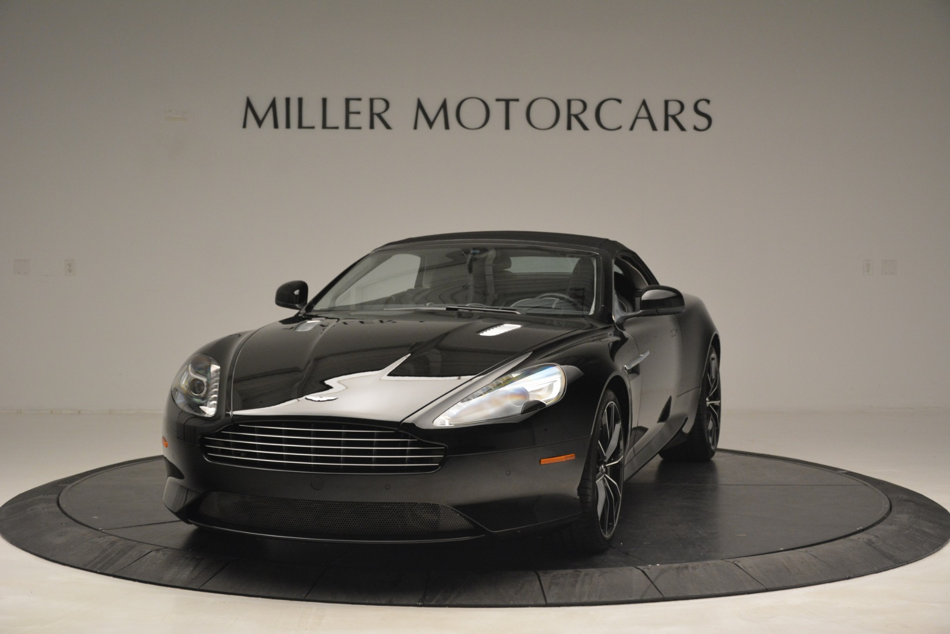 Used 2016 Aston Martin DB9 Convertible For Sale In Westport, CT 2971_p23