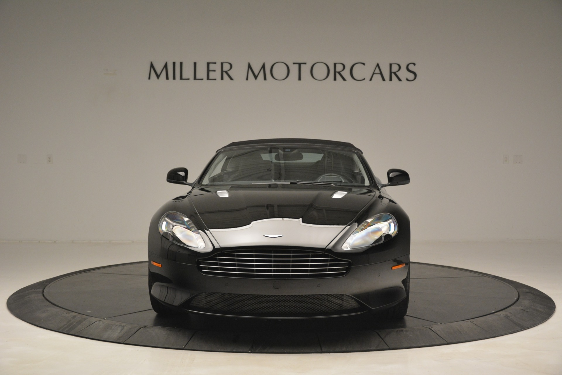 Used 2016 Aston Martin DB9 Convertible For Sale In Westport, CT 2971_p34