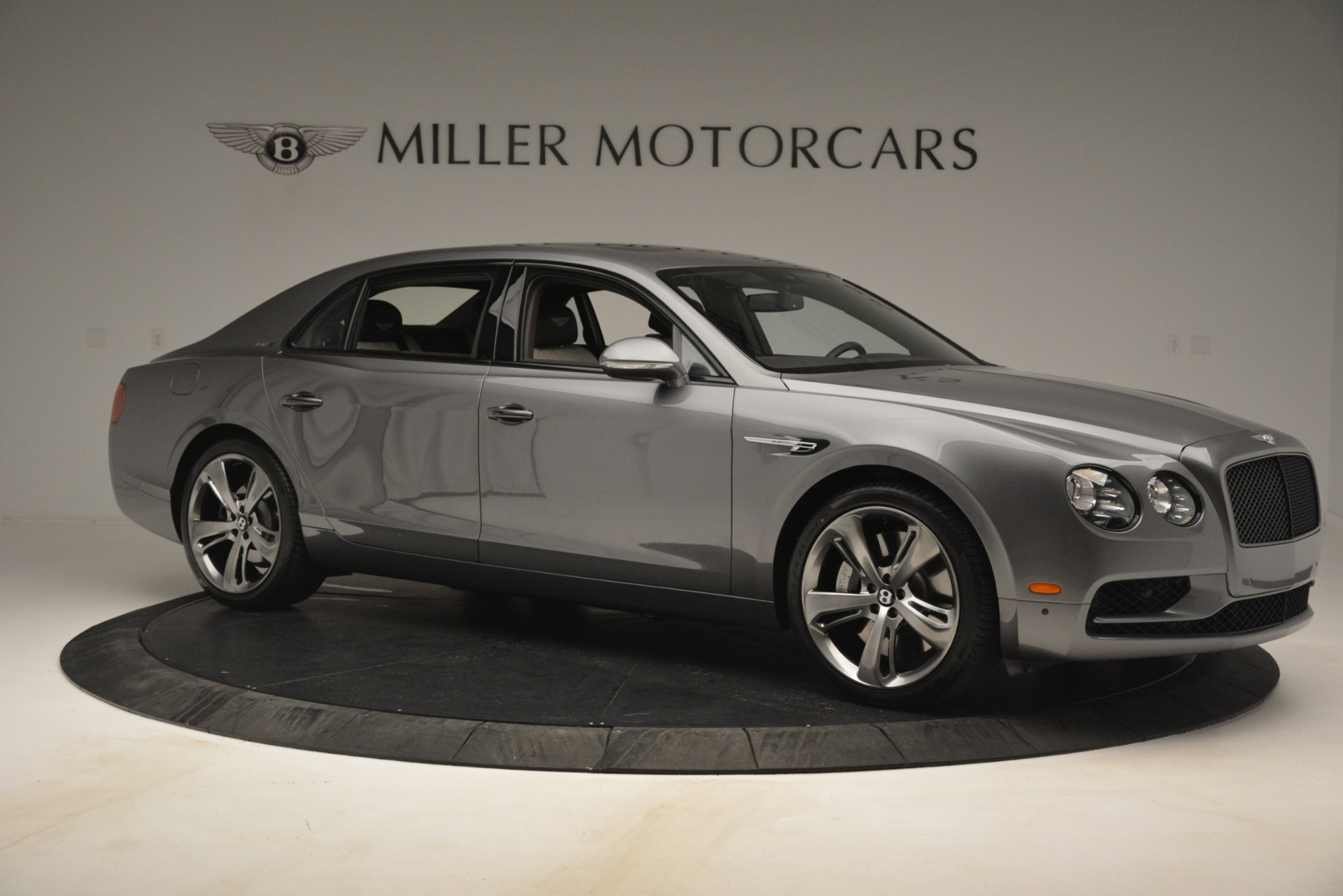 Used 2018 Bentley Flying Spur W12 S For Sale In Westport, CT 2973_p10