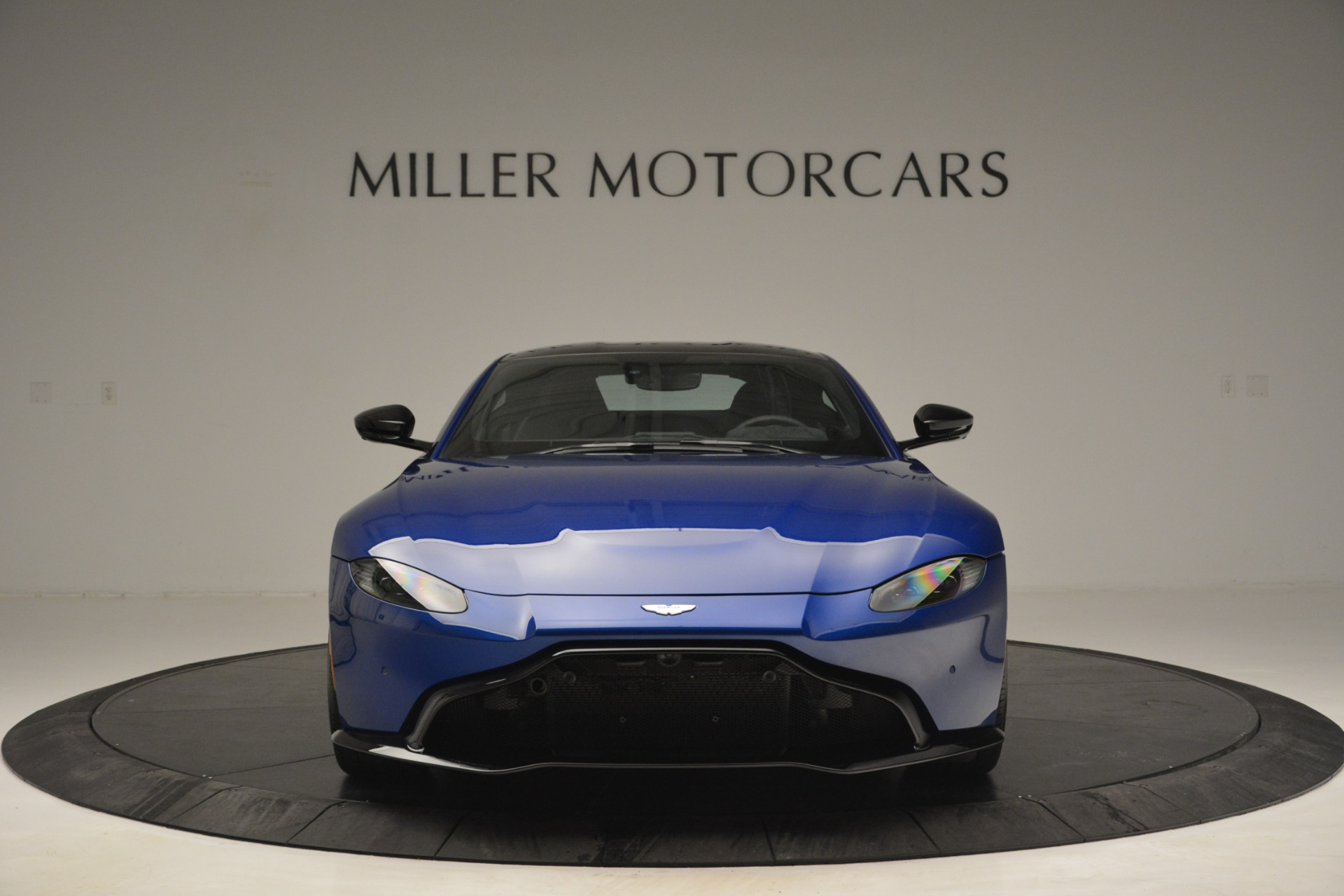Used 2019 Aston Martin Vantage Coupe For Sale In Westport, CT 2981_p11