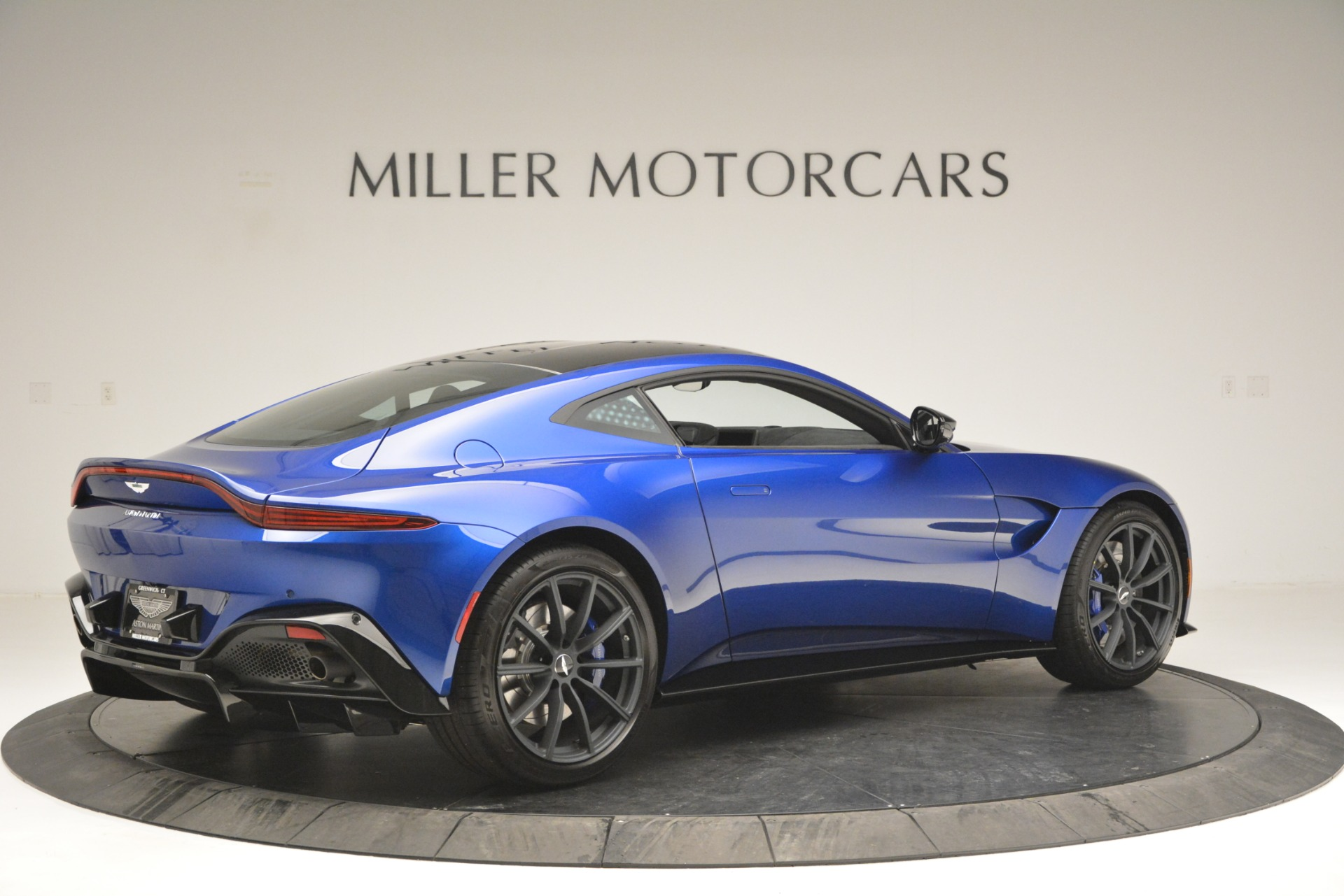 Used 2019 Aston Martin Vantage Coupe For Sale In Westport, CT 2981_p8