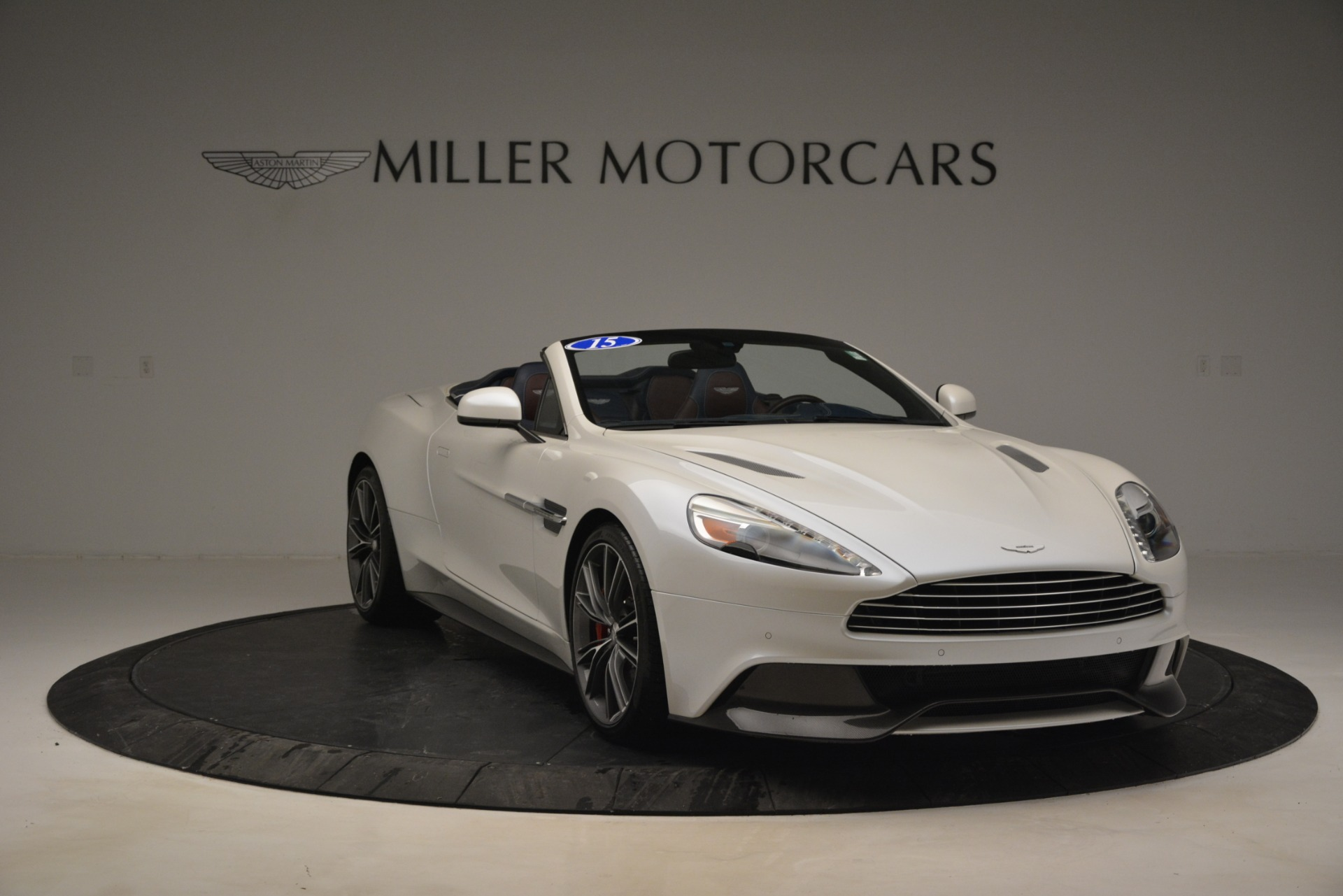 Used 2015 Aston Martin Vanquish Convertible For Sale In Westport, CT 2982_p11
