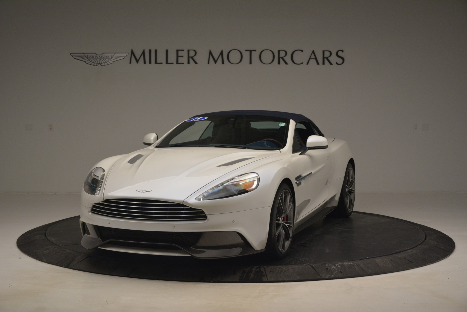 Used 2015 Aston Martin Vanquish Convertible For Sale In Westport, CT 2982_p14