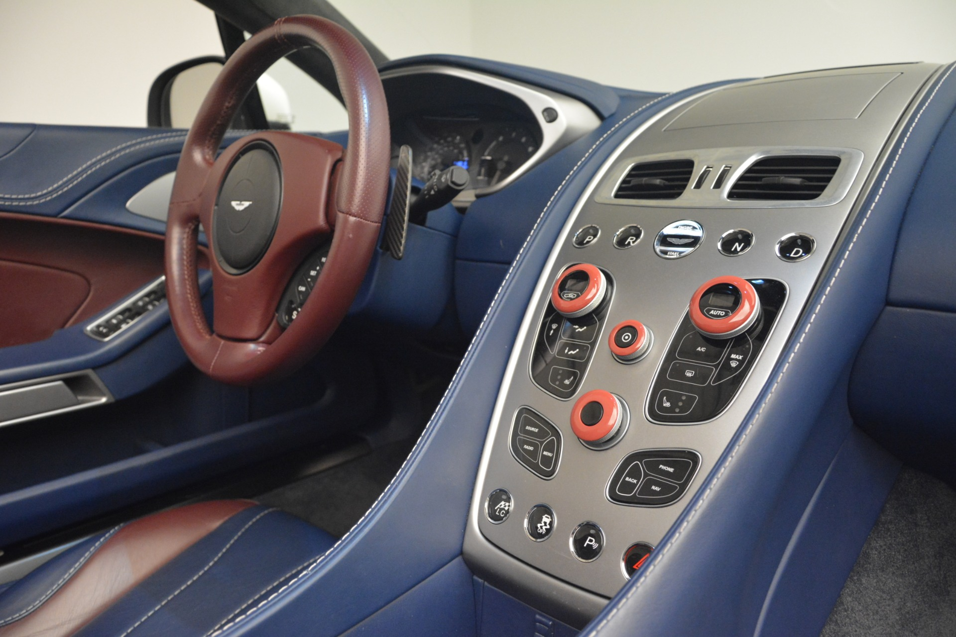 Used 2015 Aston Martin Vanquish Convertible For Sale In Westport, CT 2982_p25
