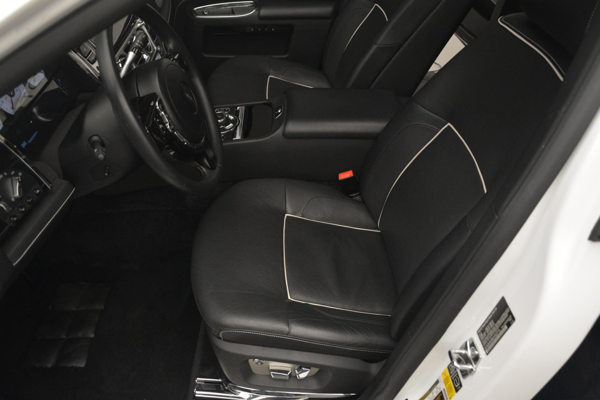 Used 2014 Rolls-Royce Ghost V-Spec For Sale In Westport, CT 2989_p16