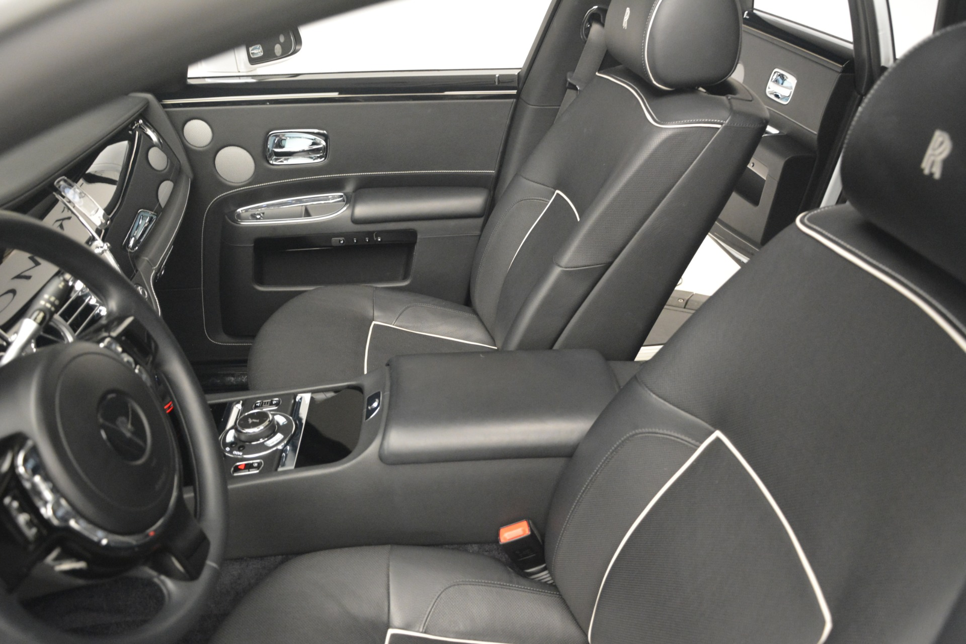 Used 2014 Rolls-Royce Ghost V-Spec For Sale In Westport, CT 2989_p17