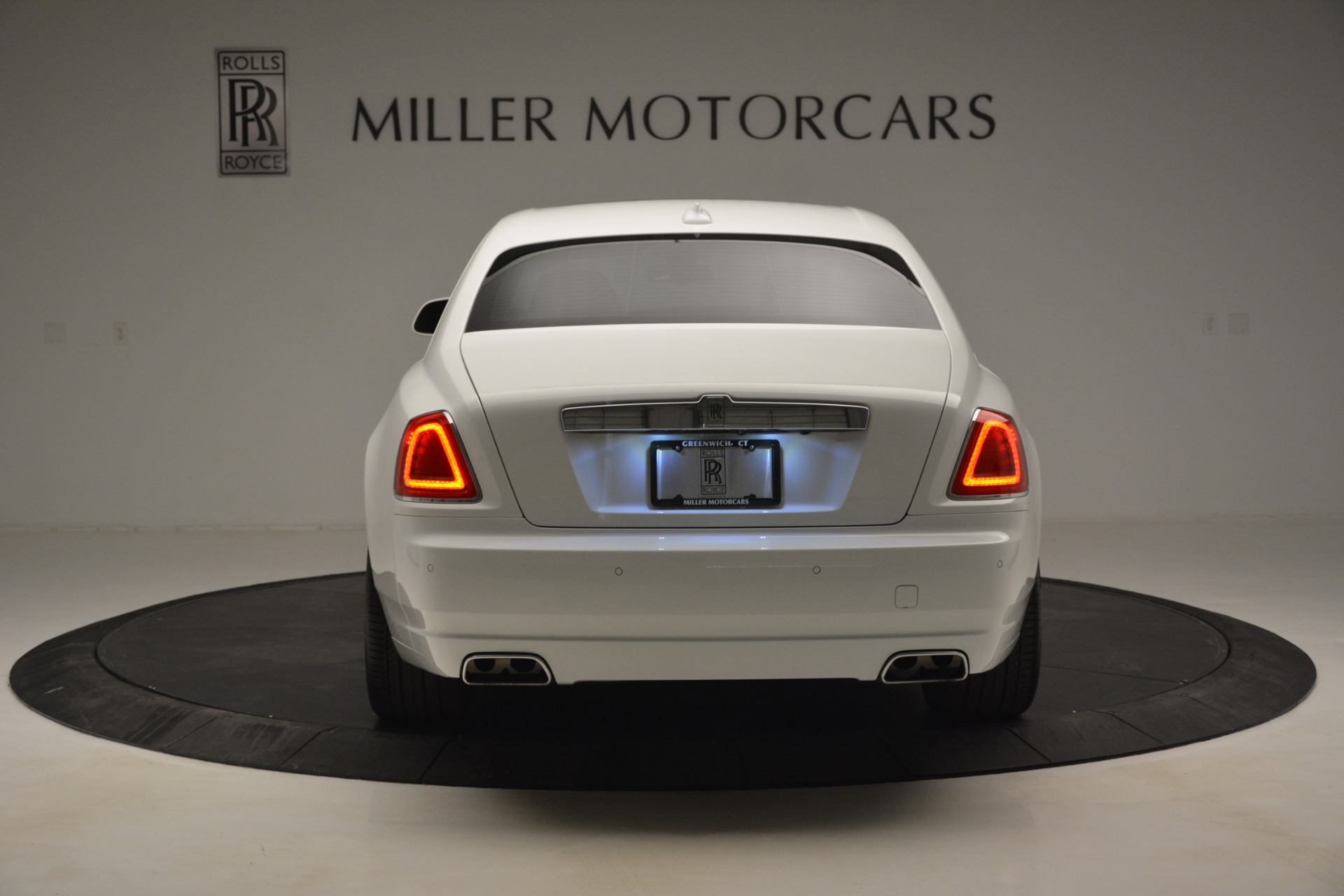 Used 2014 Rolls-Royce Ghost V-Spec For Sale In Westport, CT 2989_p7
