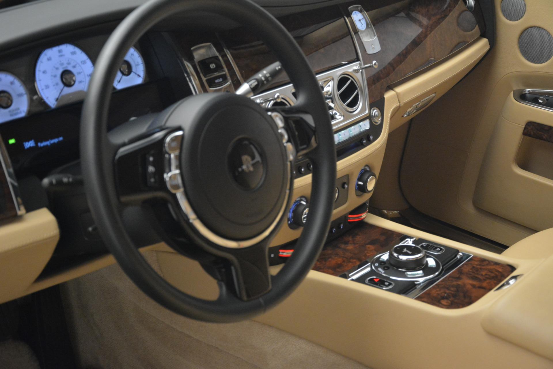 Used 2014 Rolls-Royce Ghost  For Sale In Westport, CT 2990_p14