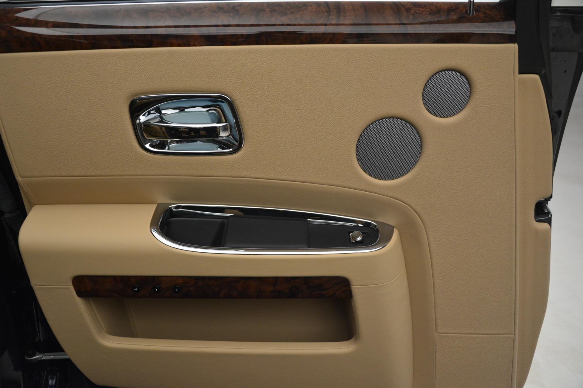 Used 2014 Rolls-Royce Ghost  For Sale In Westport, CT 2990_p19