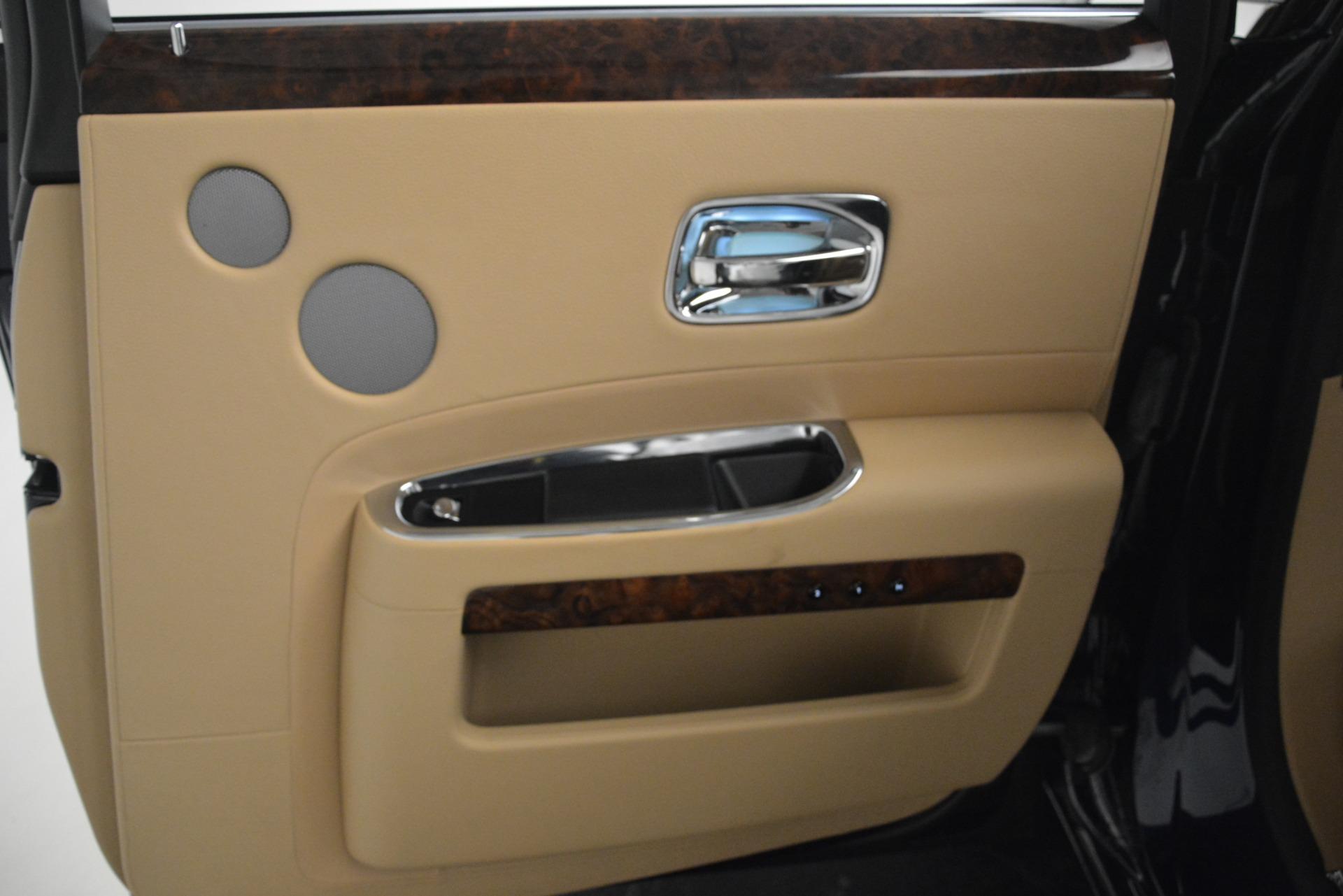 Used 2014 Rolls-Royce Ghost  For Sale In Westport, CT 2990_p25
