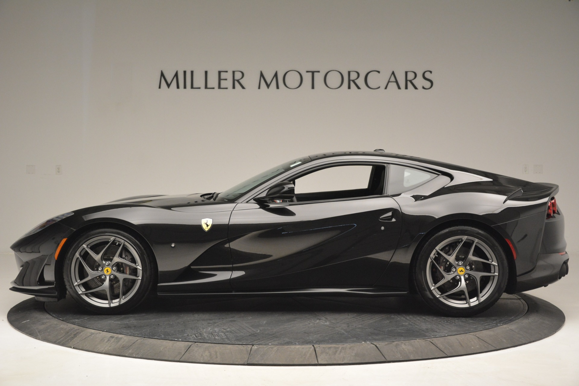 Used 2018 Ferrari 812 Superfast  For Sale In Westport, CT 2992_p3