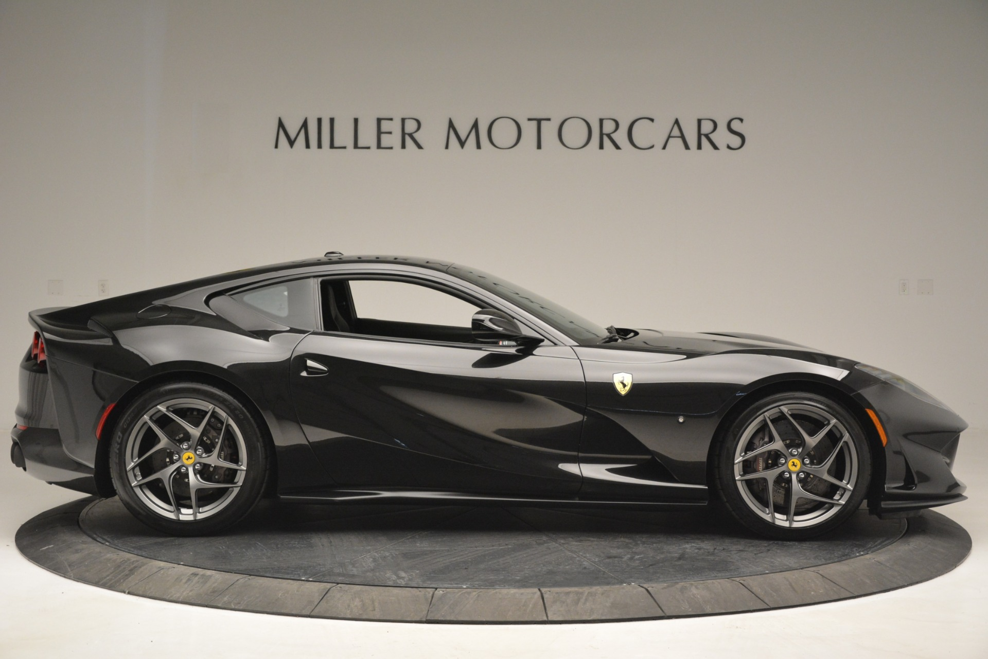 Used 2018 Ferrari 812 Superfast  For Sale In Westport, CT 2992_p9