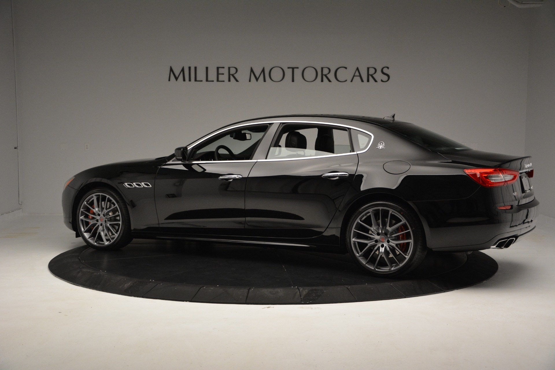 Used 2015 Maserati Quattroporte GTS For Sale In Westport, CT 2993_p4