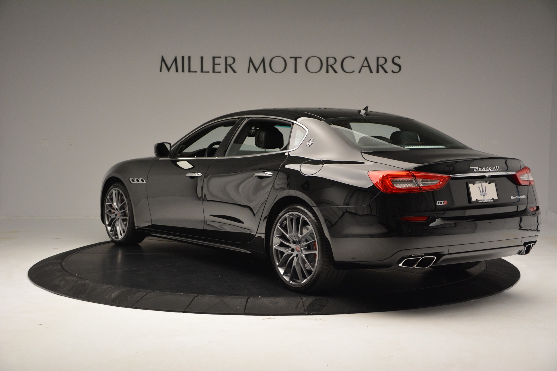 Used 2015 Maserati Quattroporte GTS For Sale In Westport, CT 2993_p5