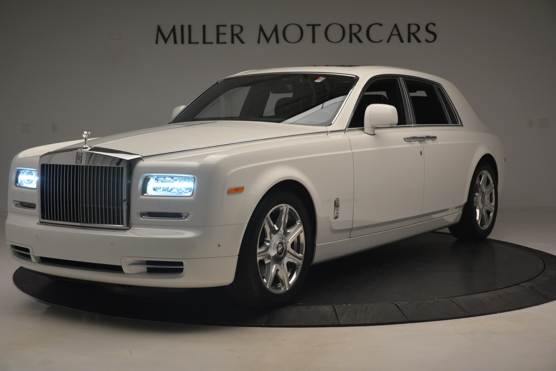 Used 2014 Rolls-Royce Phantom  For Sale In Westport, CT 2998_main