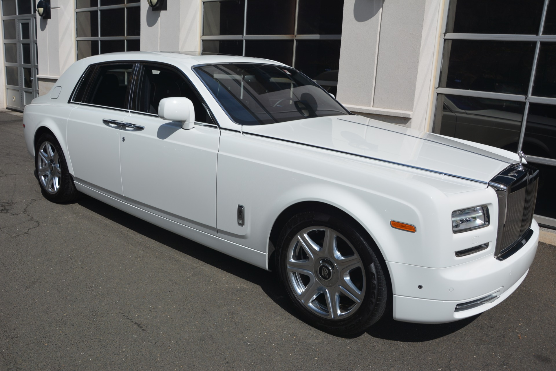 Used 2014 Rolls-Royce Phantom  For Sale In Westport, CT 2998_p12
