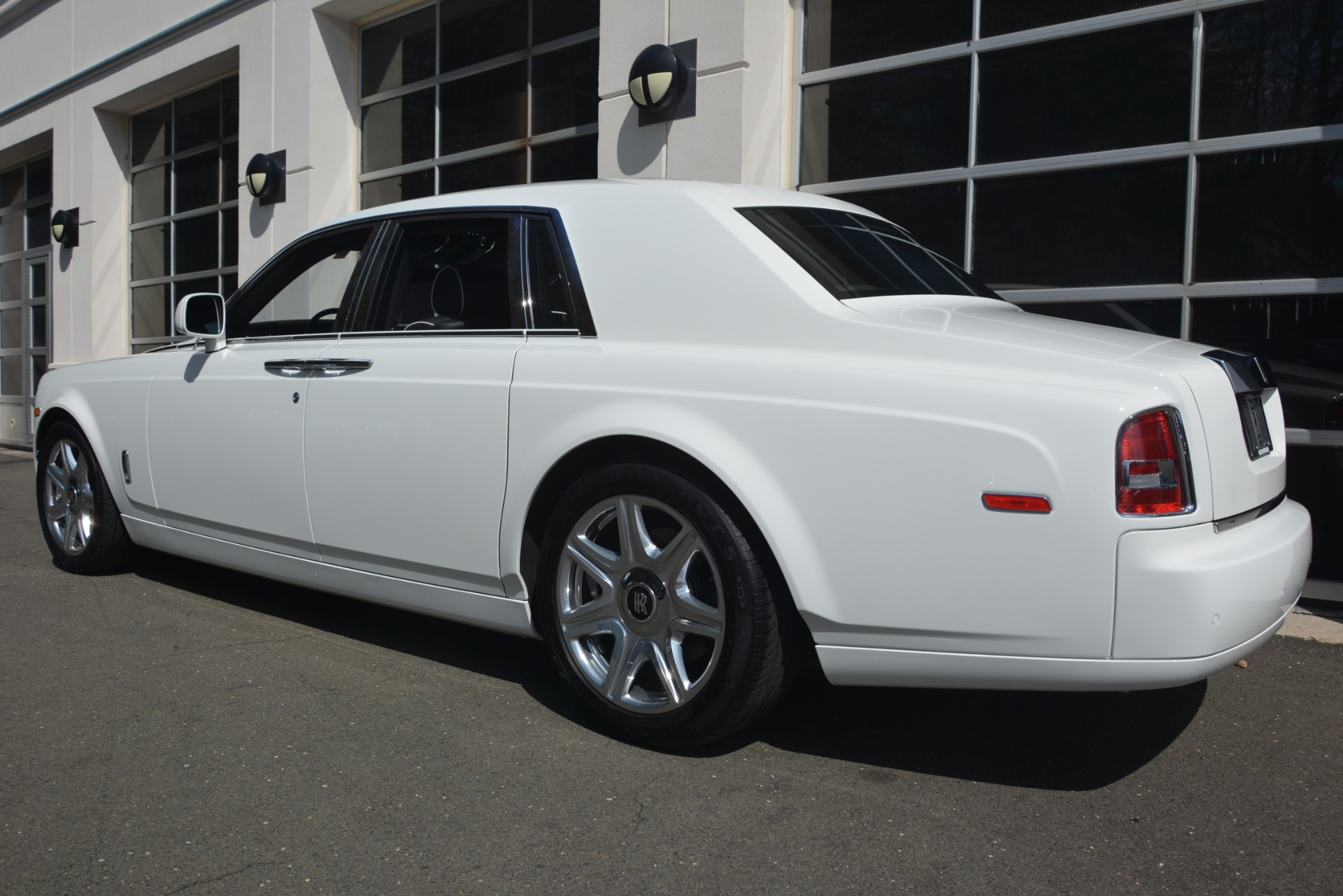 Used 2014 Rolls-Royce Phantom  For Sale In Westport, CT 2998_p6